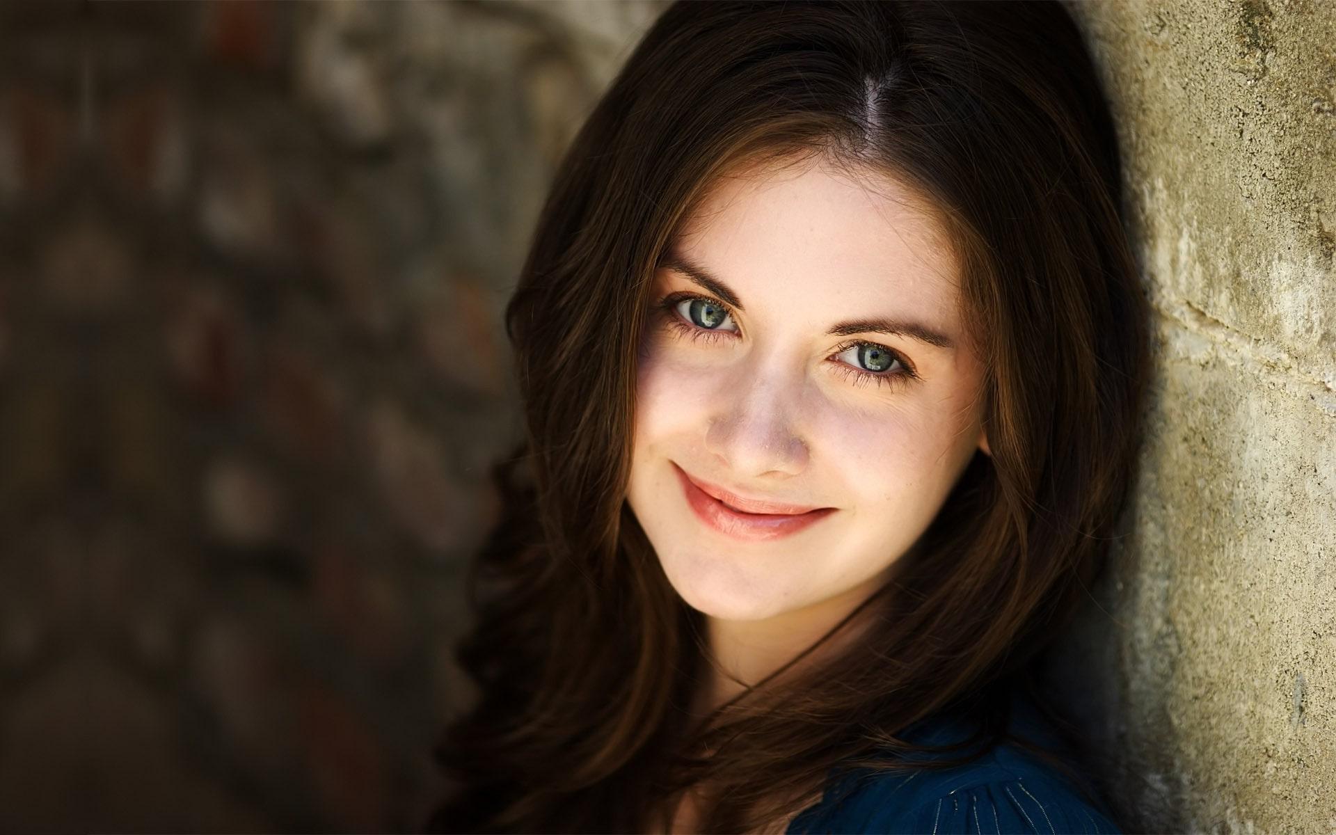 Alison Brie High