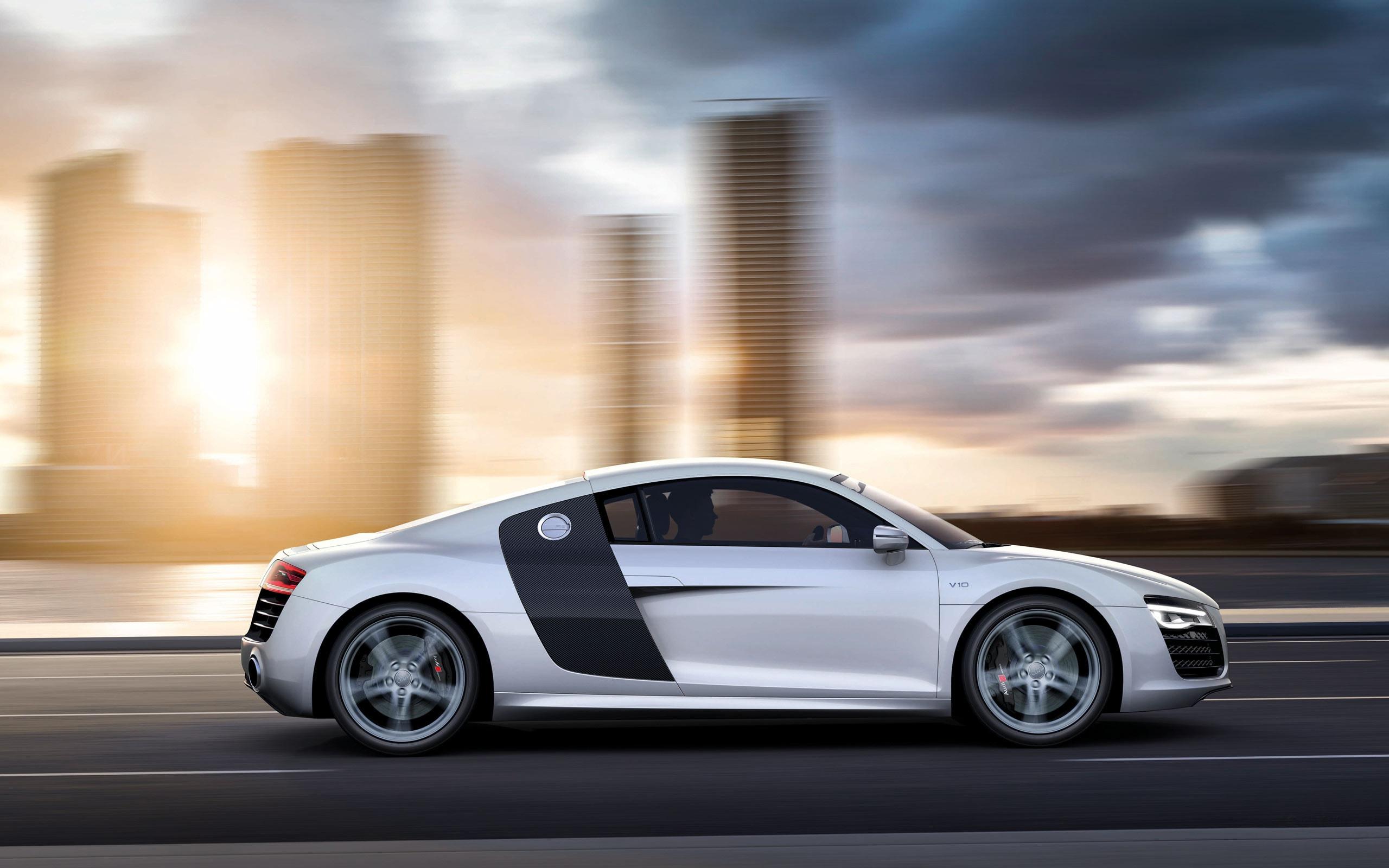 Audi R8 free