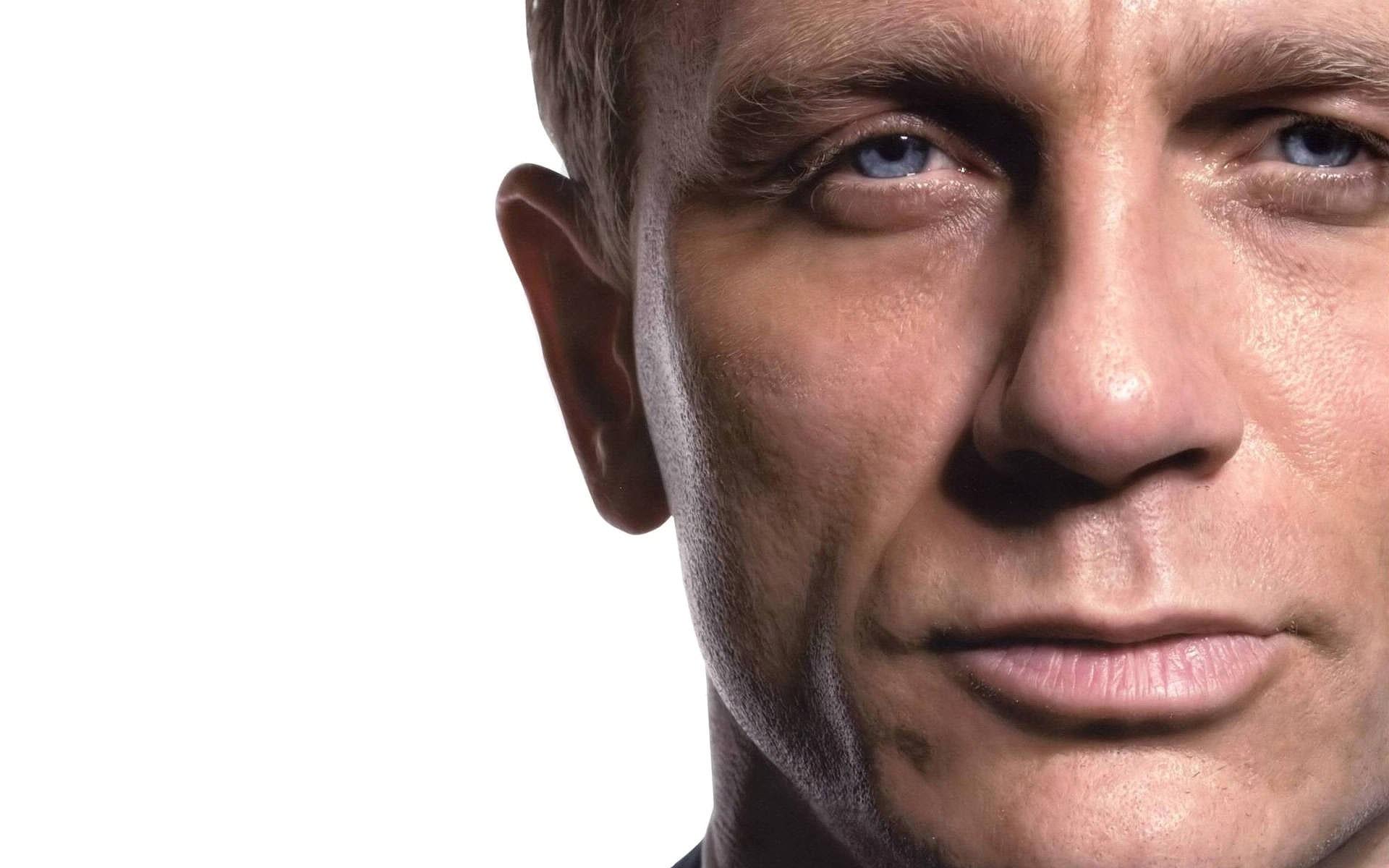 Daniel Craig High