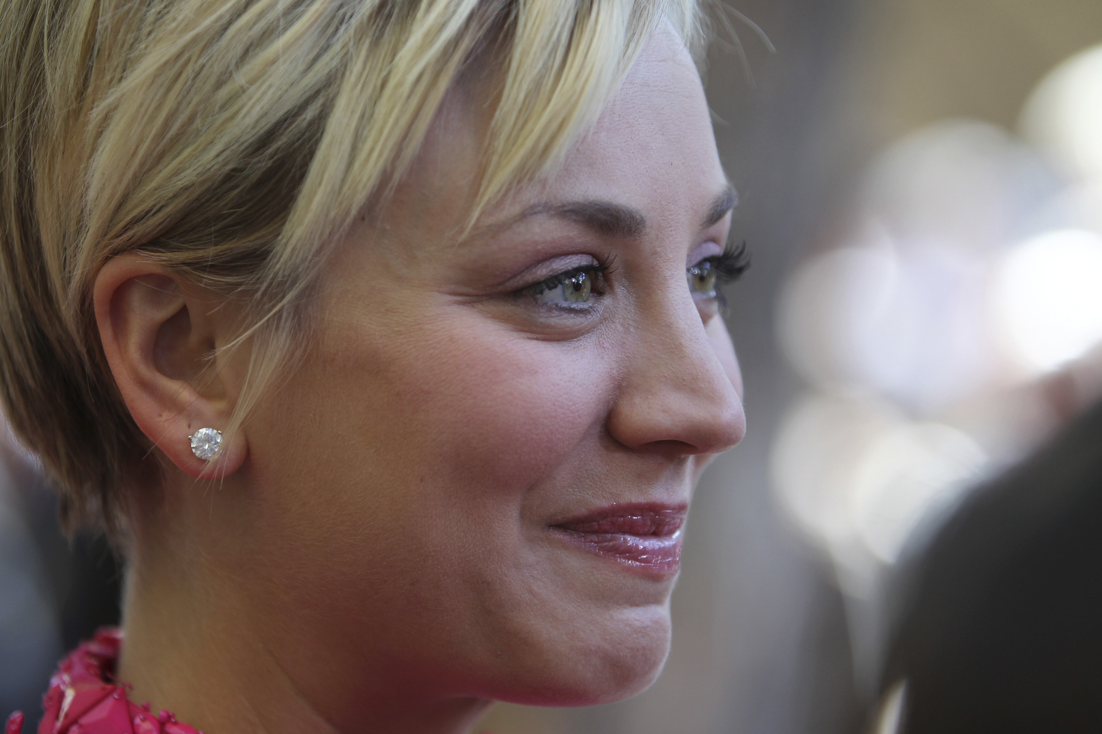 Kaley Cuoco Widescreen for desktop