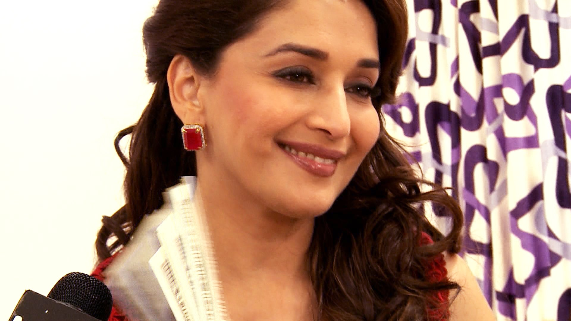 Madhuri Dixit Desktop wallpaper