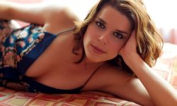 Neve Campbell High