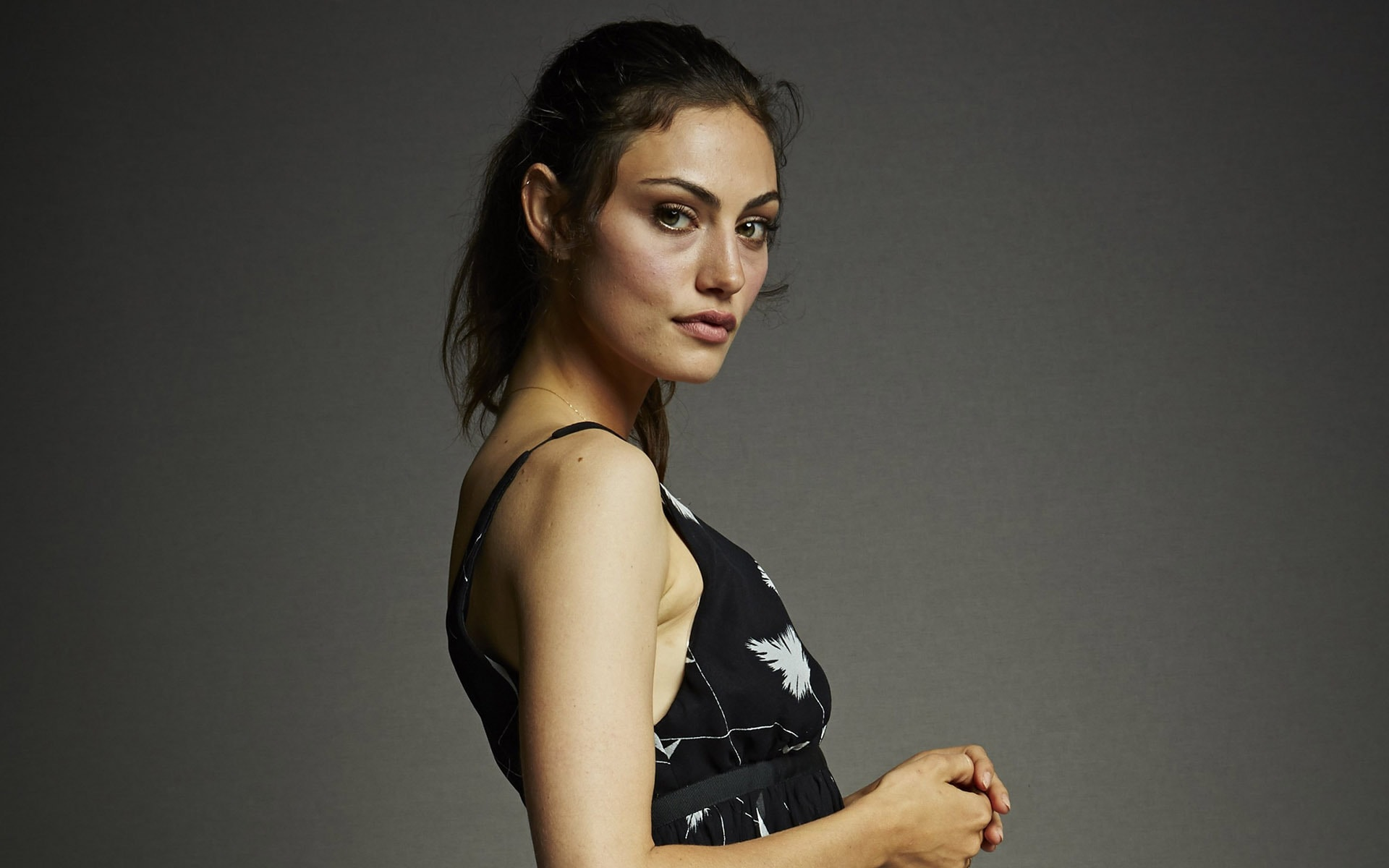 Phoebe Tonkin High