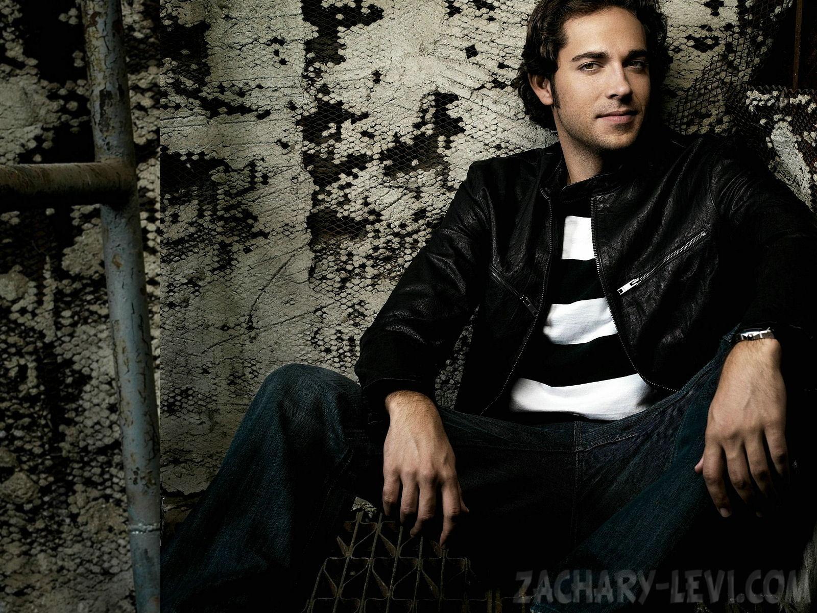 Zachary Levi HD