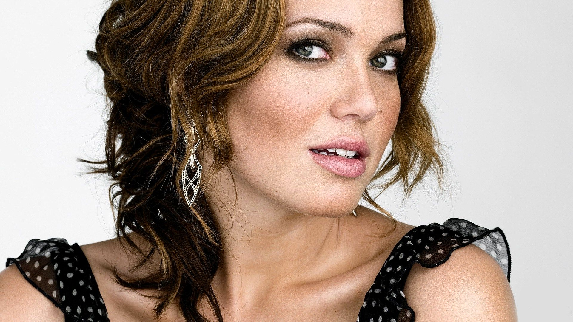 Mandy Moore HD