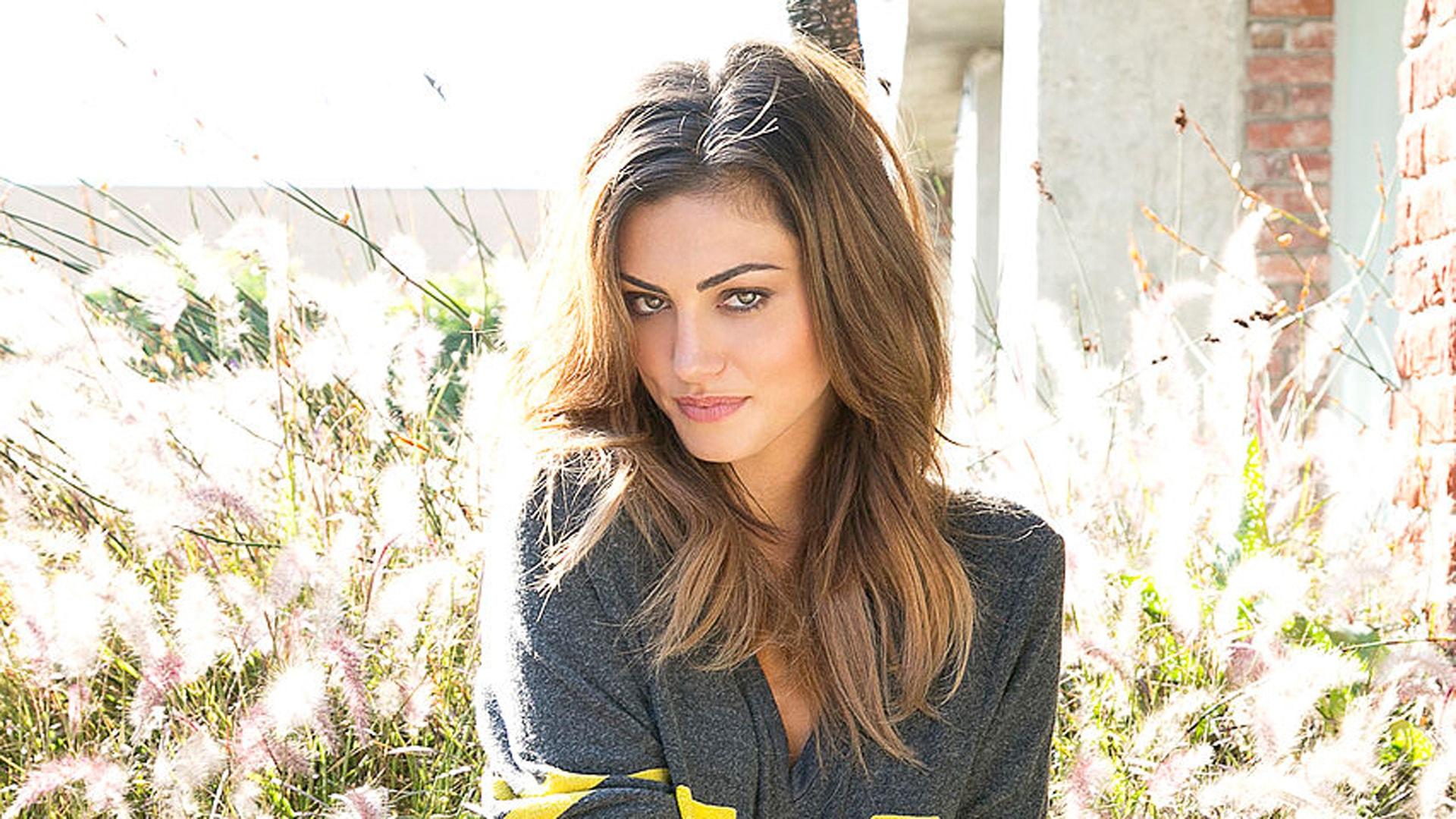 Phoebe Tonkin HD