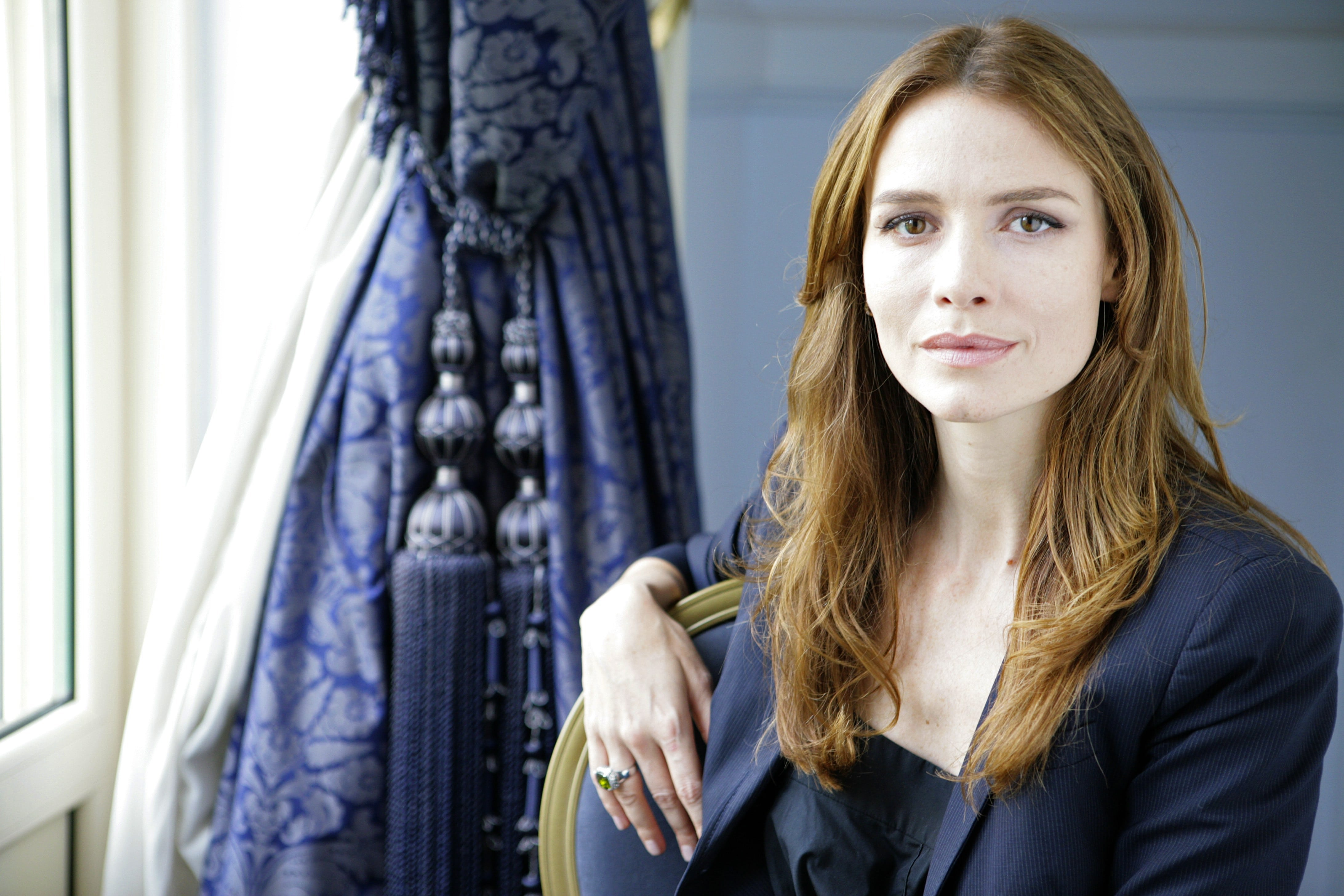 Saffron Burrows HD