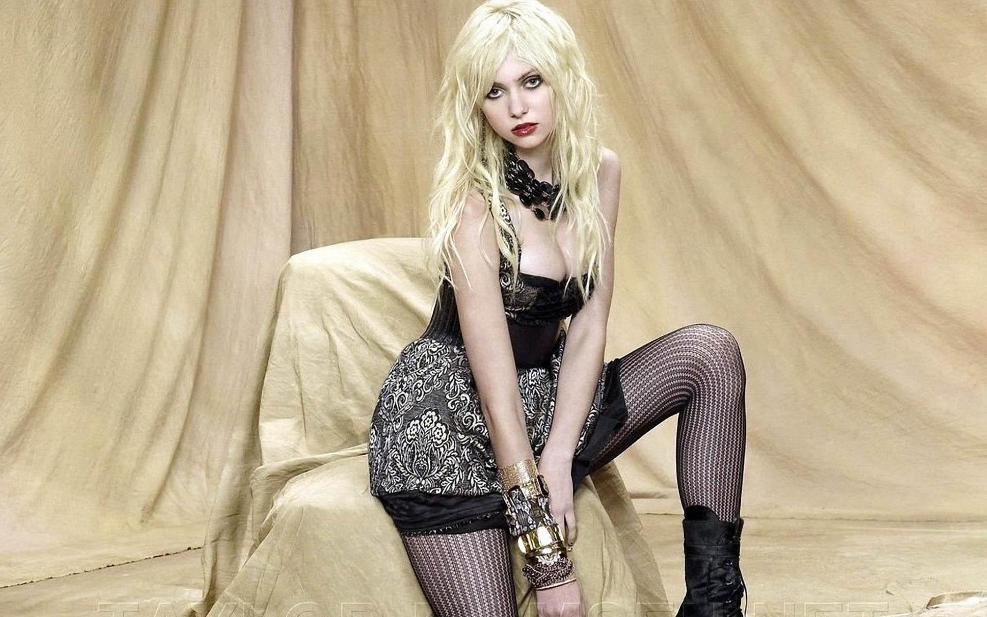 Taylor Momsen HD