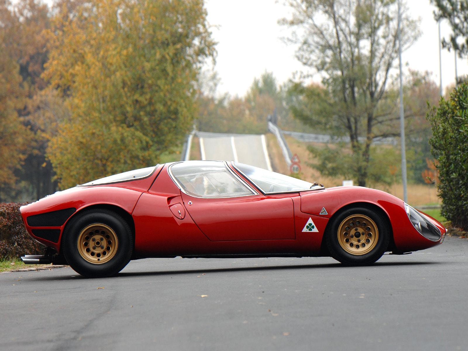Alfa Romeo Tipo 33 Stradale Free