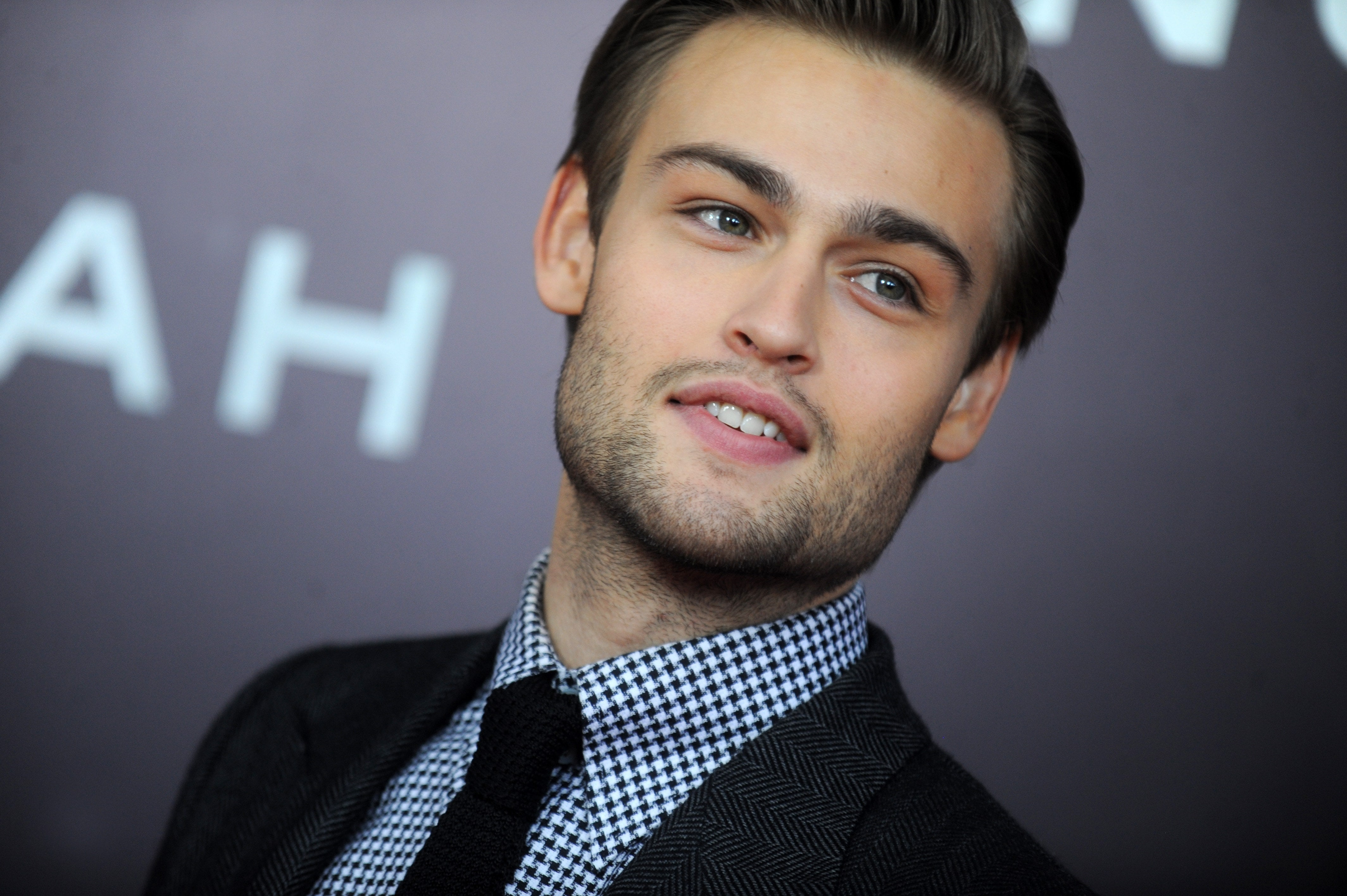 Douglas Booth HD