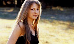 Emily Vancamp Free