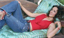 Jennifer Beals Free