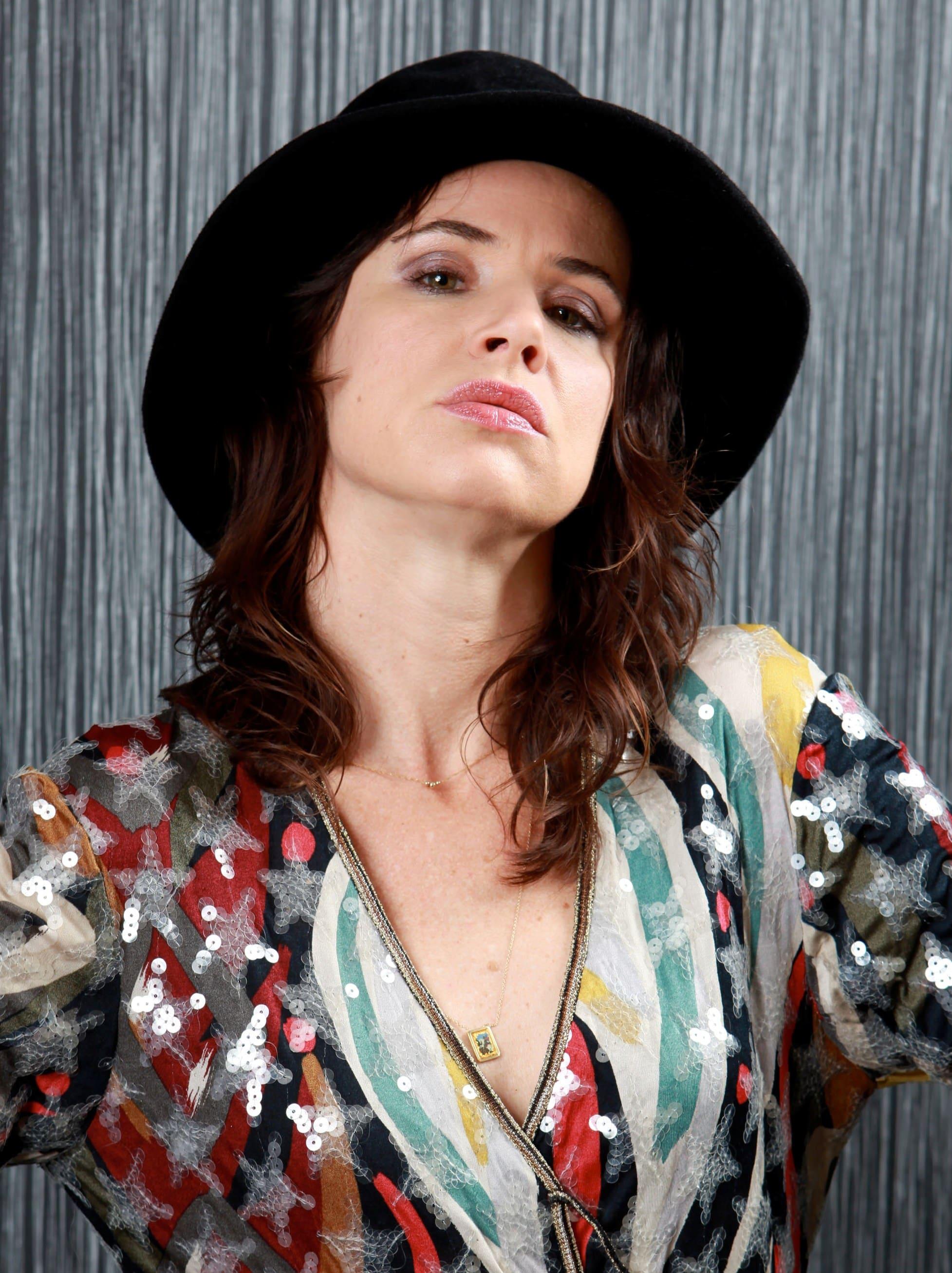Juliette Lewis Free