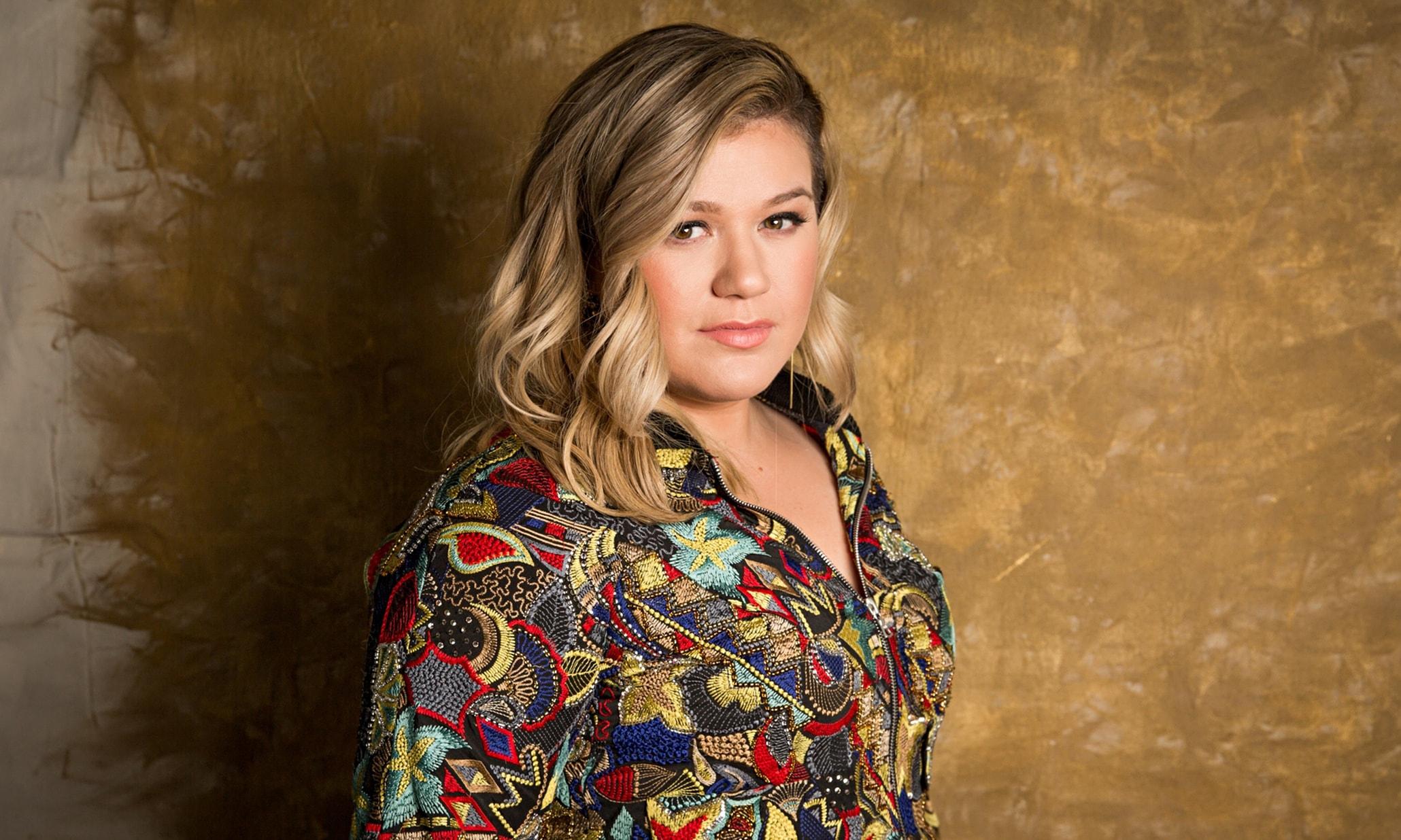 Kelly Clarkson Free