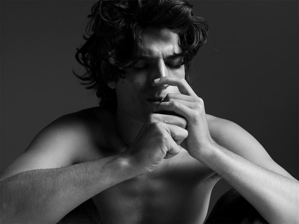 Louis Garrel Free