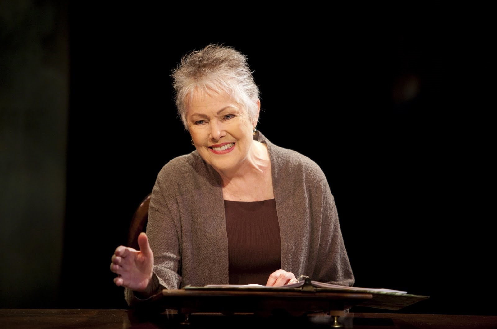 Lynn Redgrave Widescreen