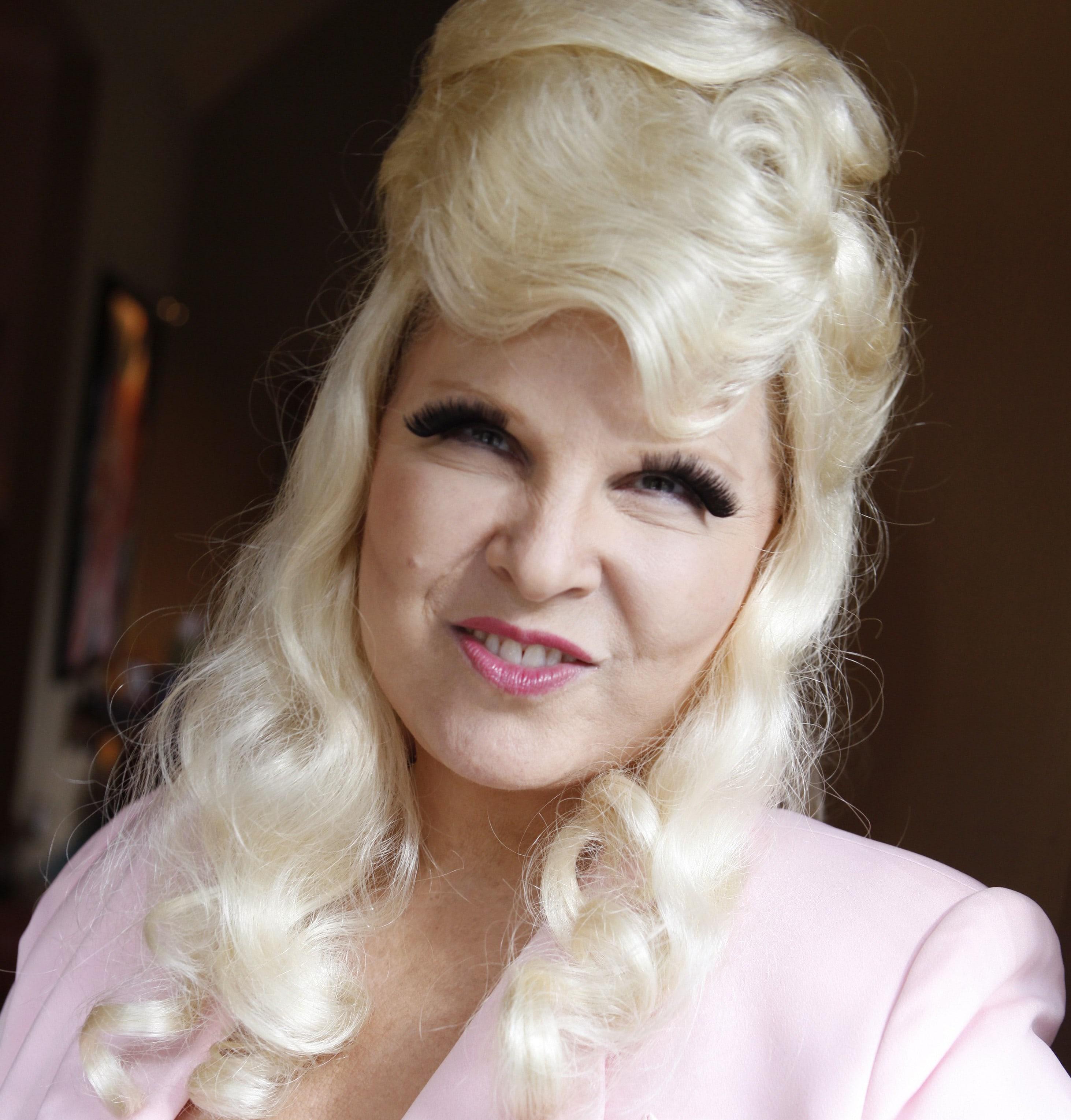 Mae West Free