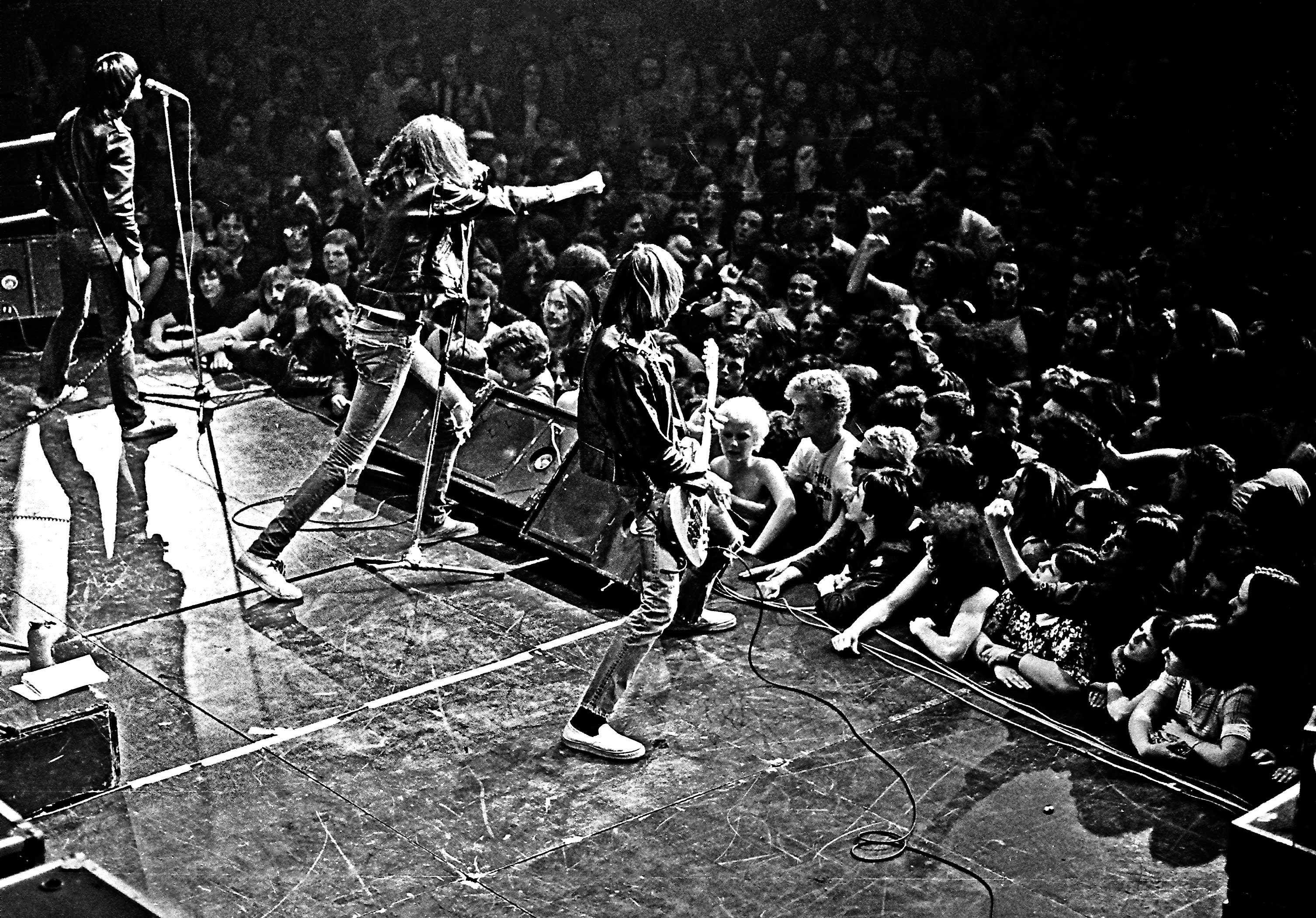 Ramones Widescreen