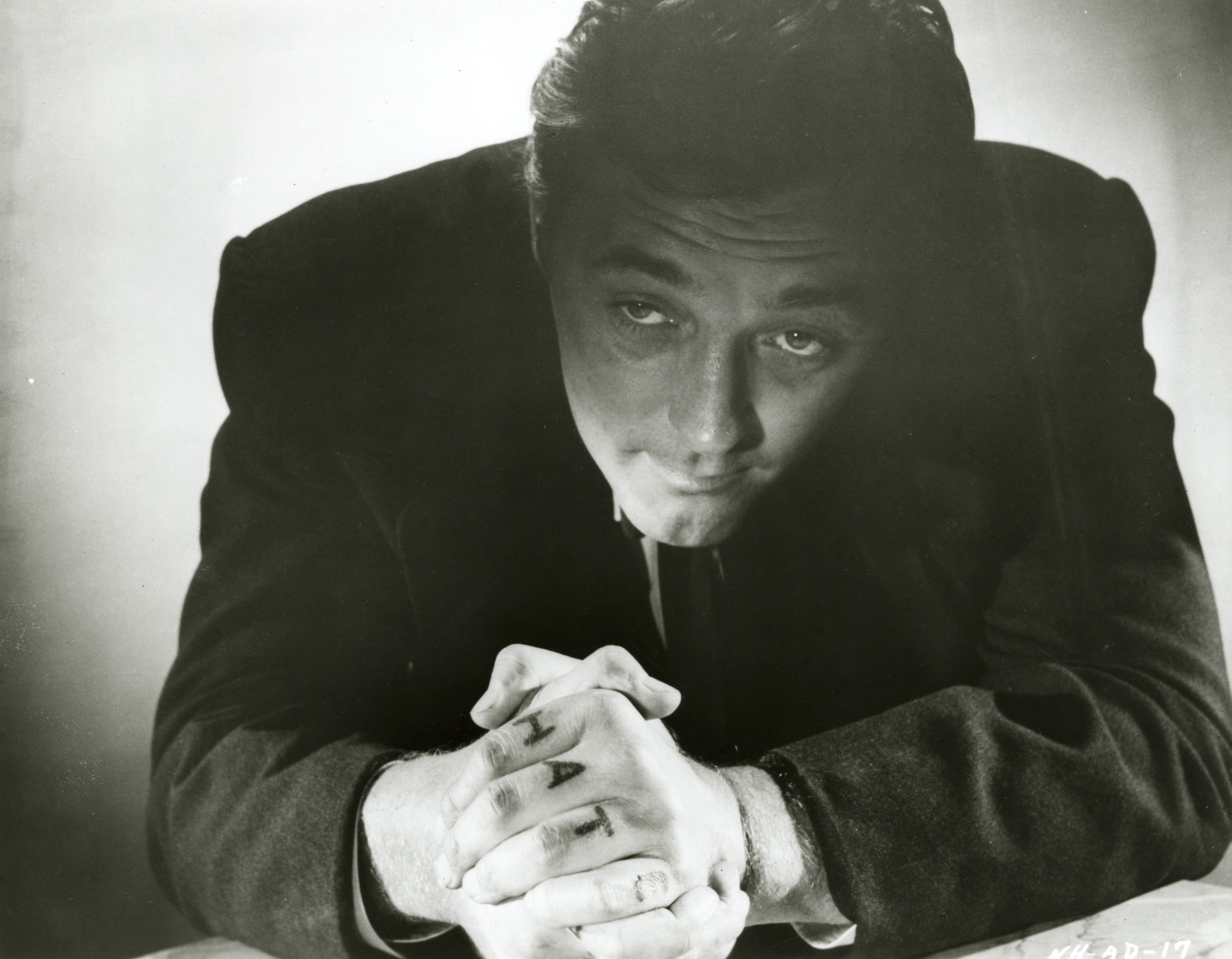Robert Mitchum Free