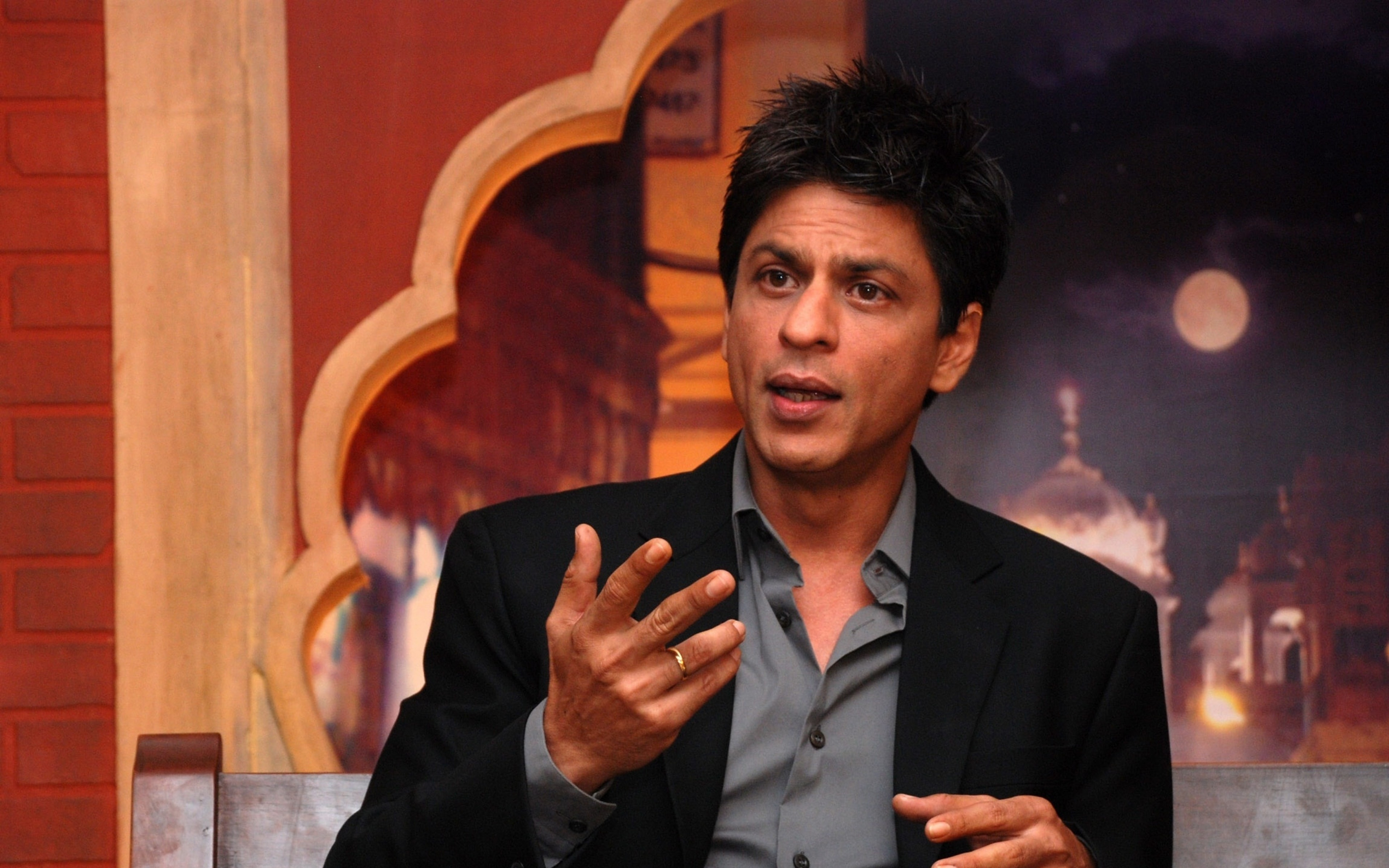 Shah Rukh Khan Free
