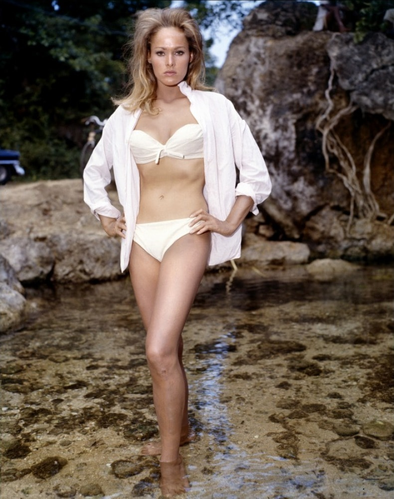 Ursula Andress Free