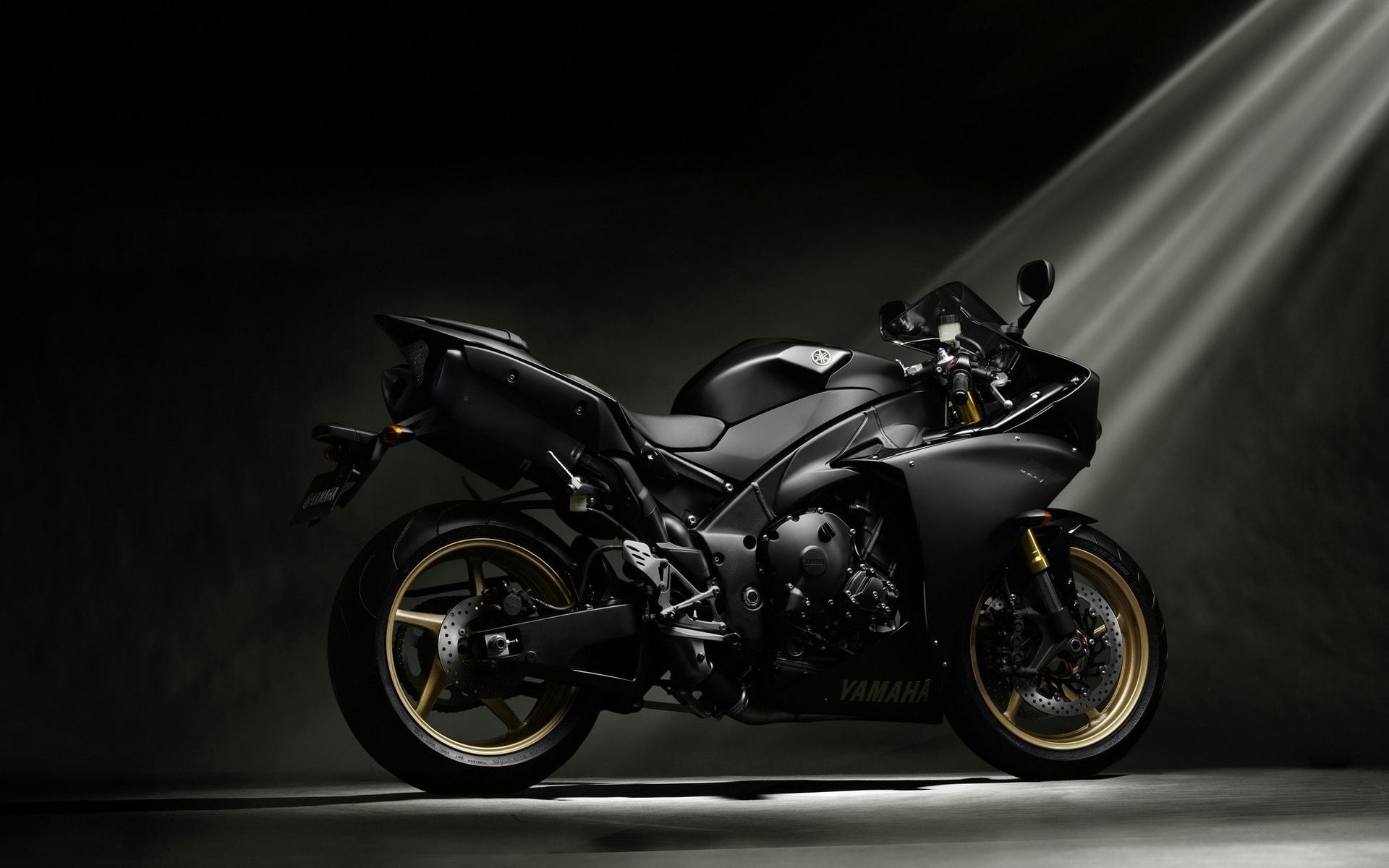 Yamaha YZF-R1 2012 Free