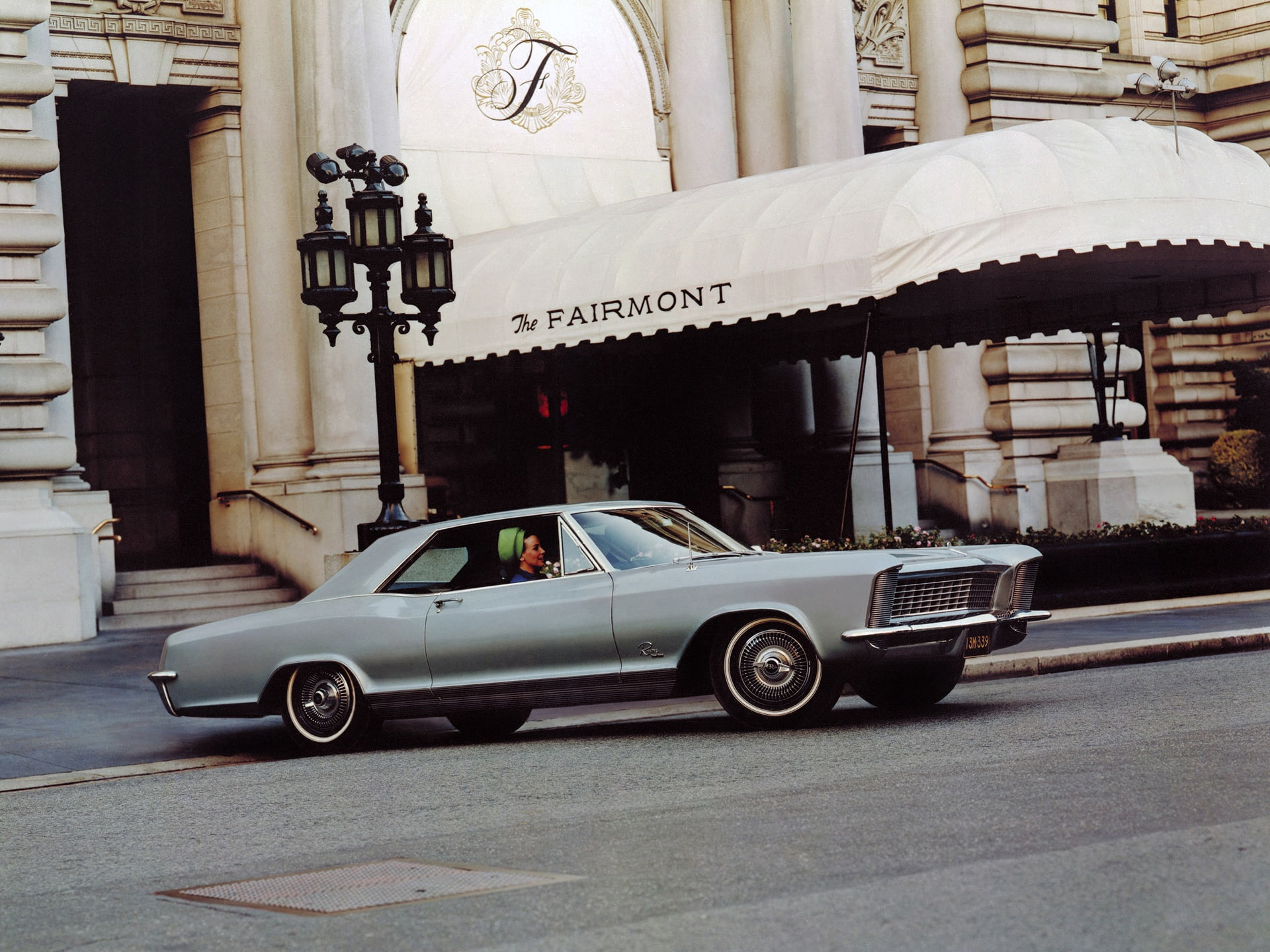 1965 Buick Riviera GS Widescreen