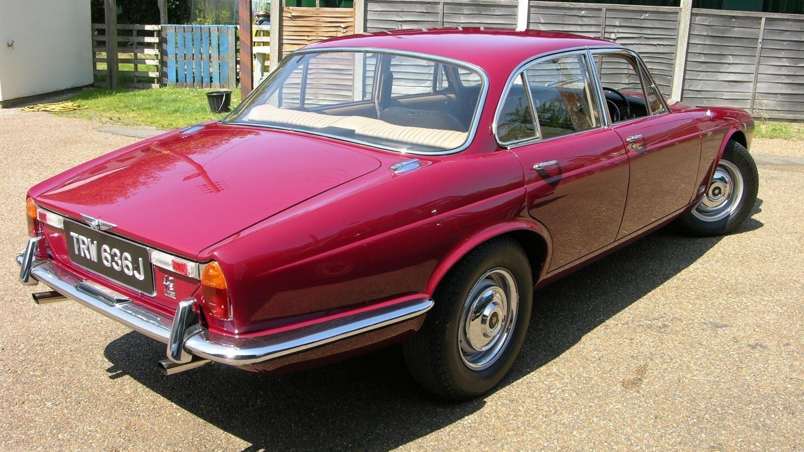 1968 Jaguar XJ6 Widescreen