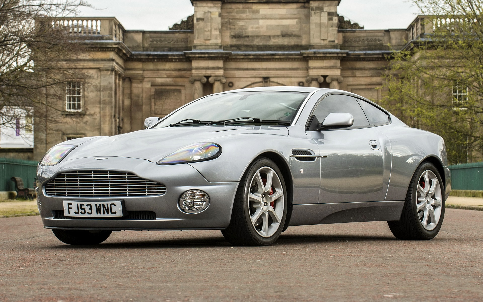 2001 Aston Martin Vanquish Widescreen