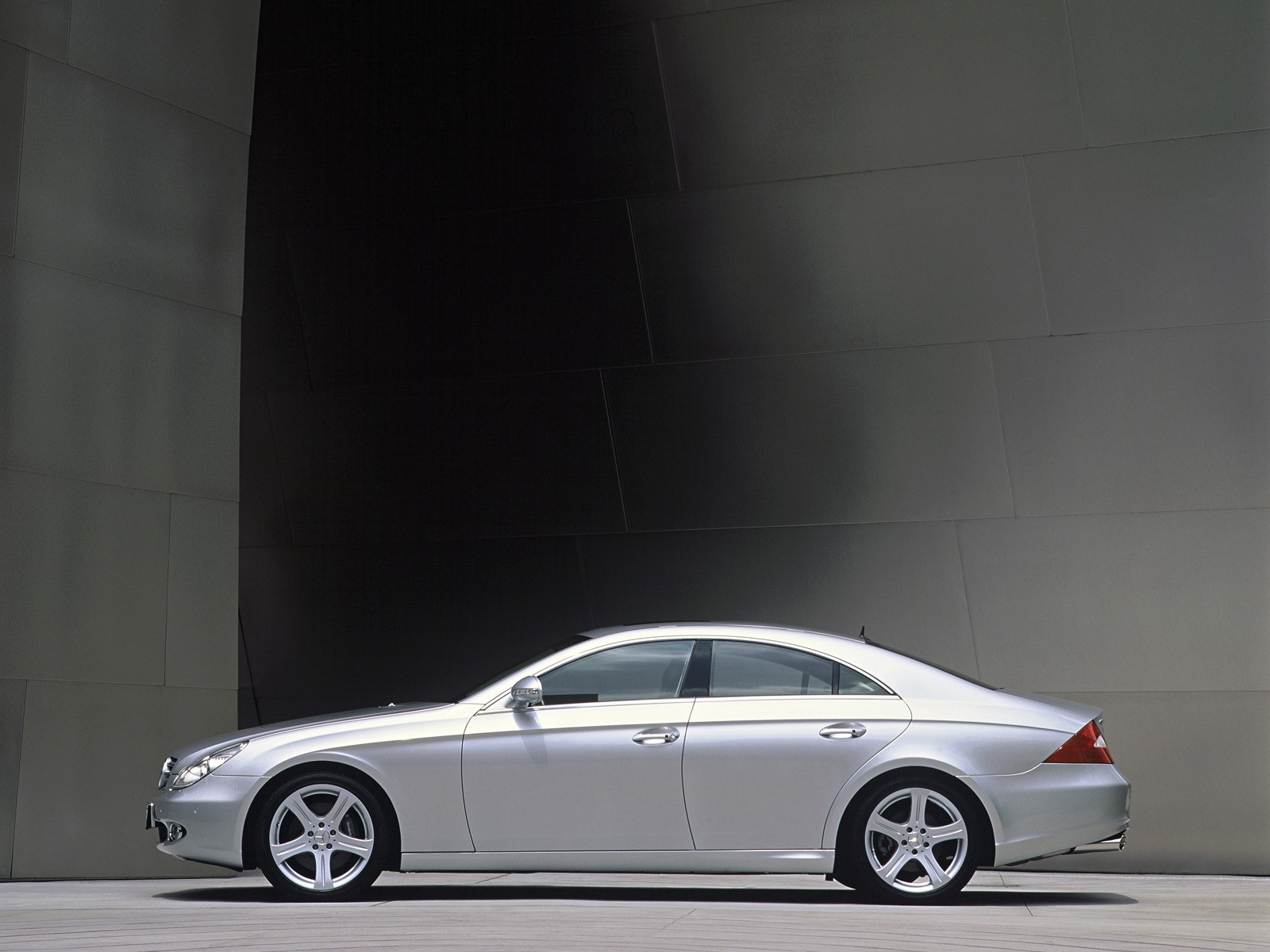 2005 Mercedes-Benz CLS Widescreen