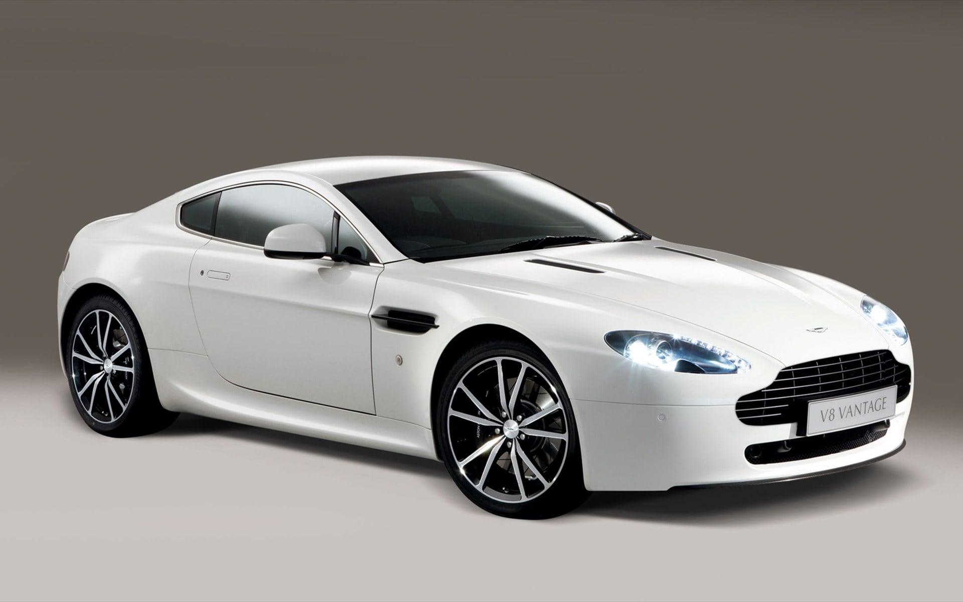 2006 Aston Martin V8 Vantage Free