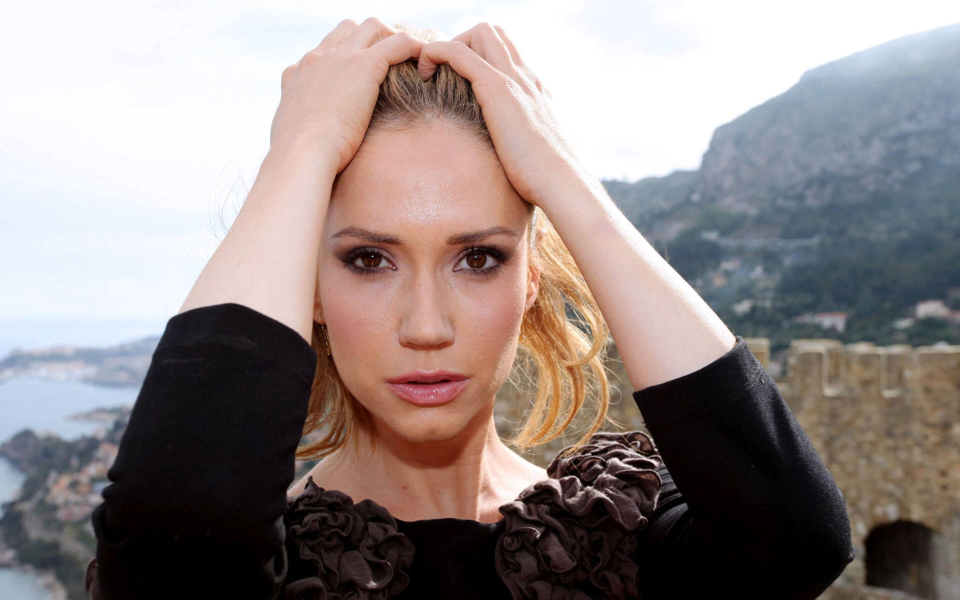 Ashley Jones Widescreen