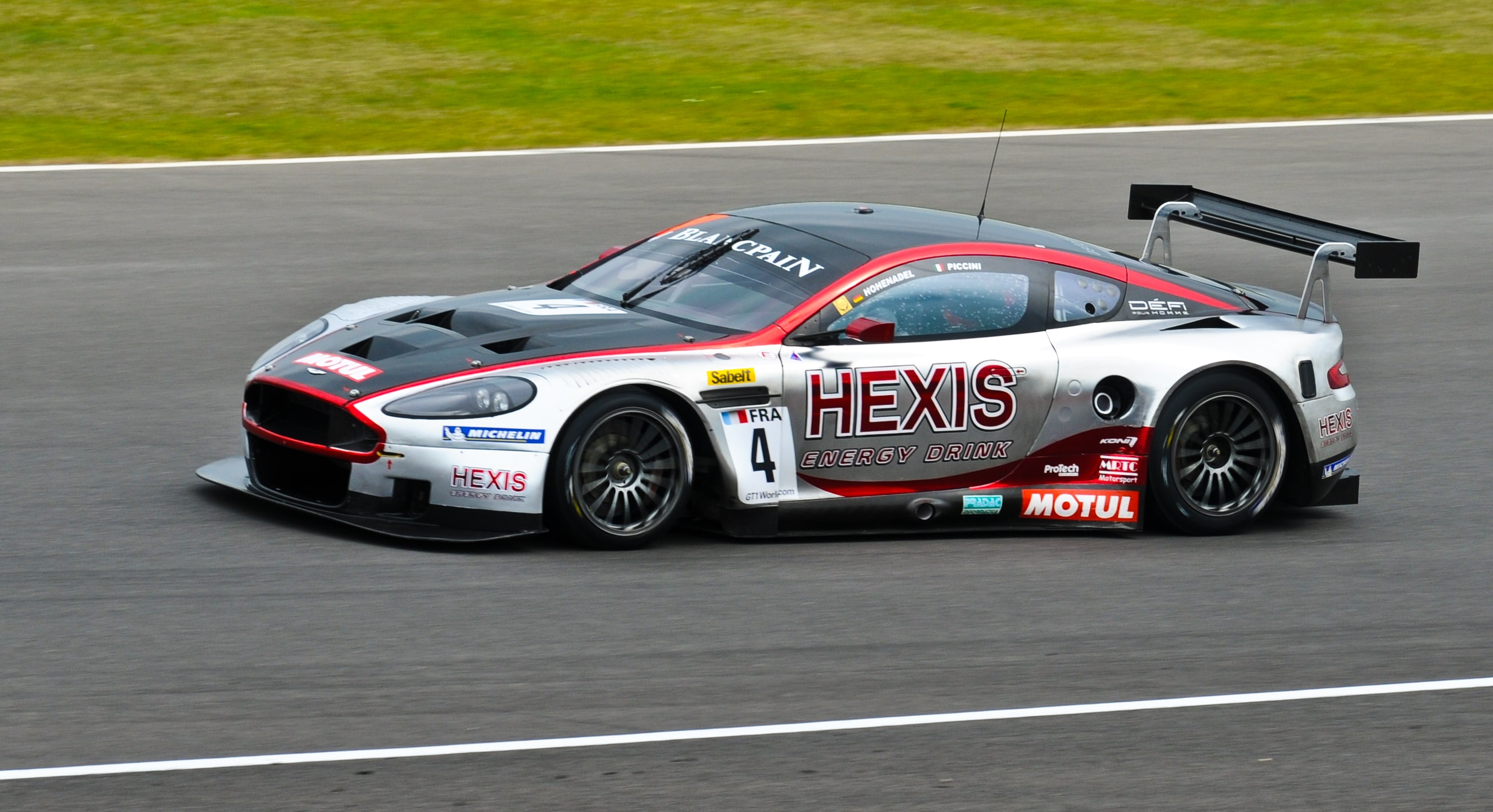 Aston Martin DBR9 Widescreen