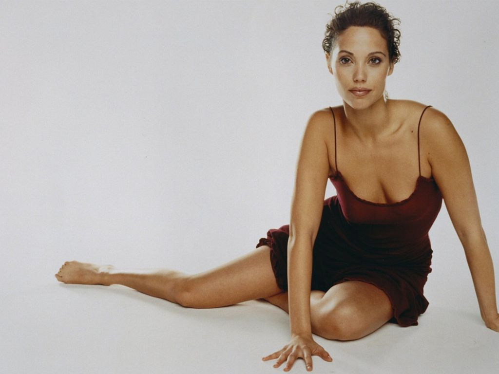 Elizabeth Berkley Widescreen