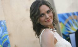 Emily Deschanel Widescreen