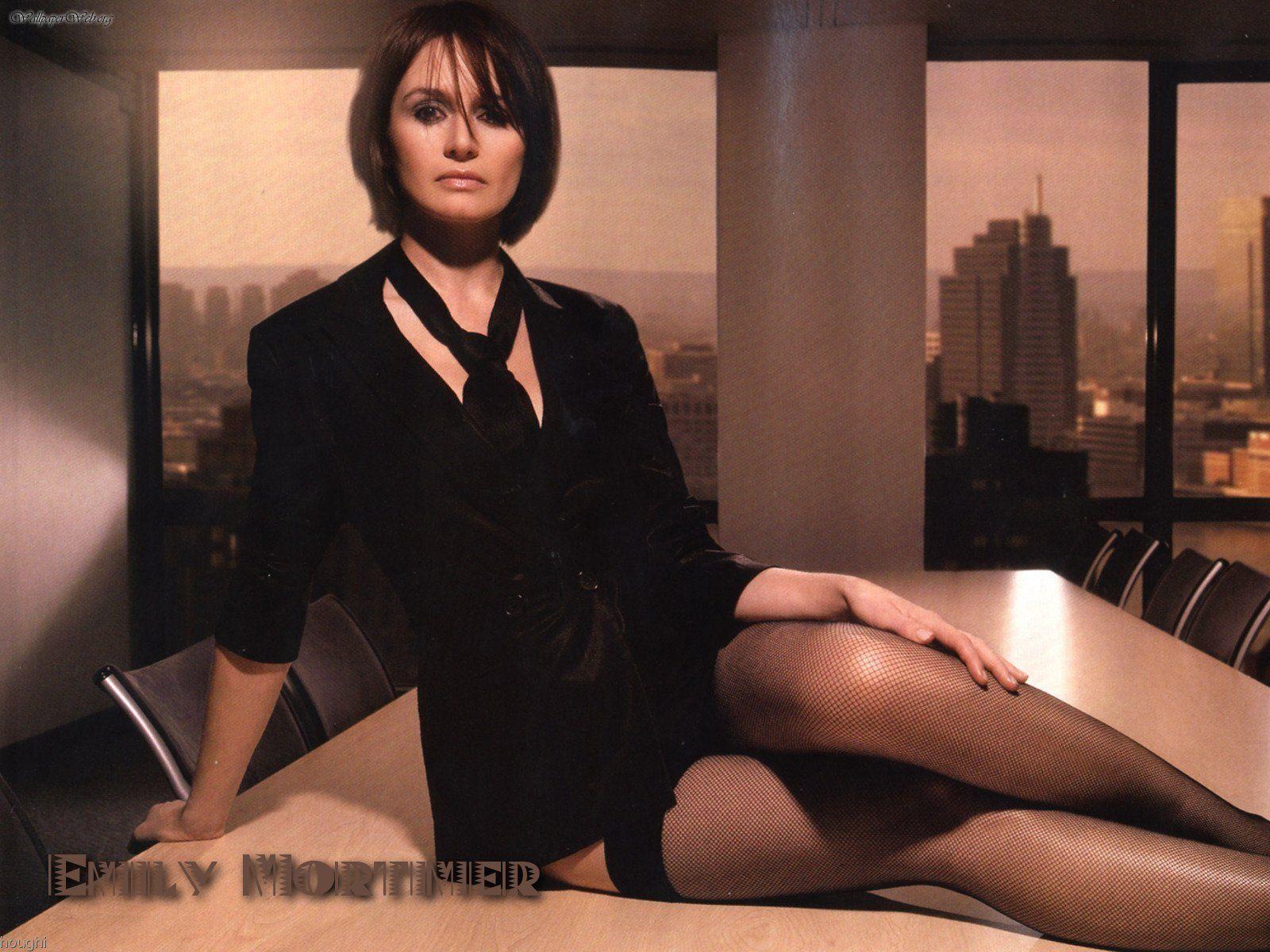 Emily Mortimer Widescreen