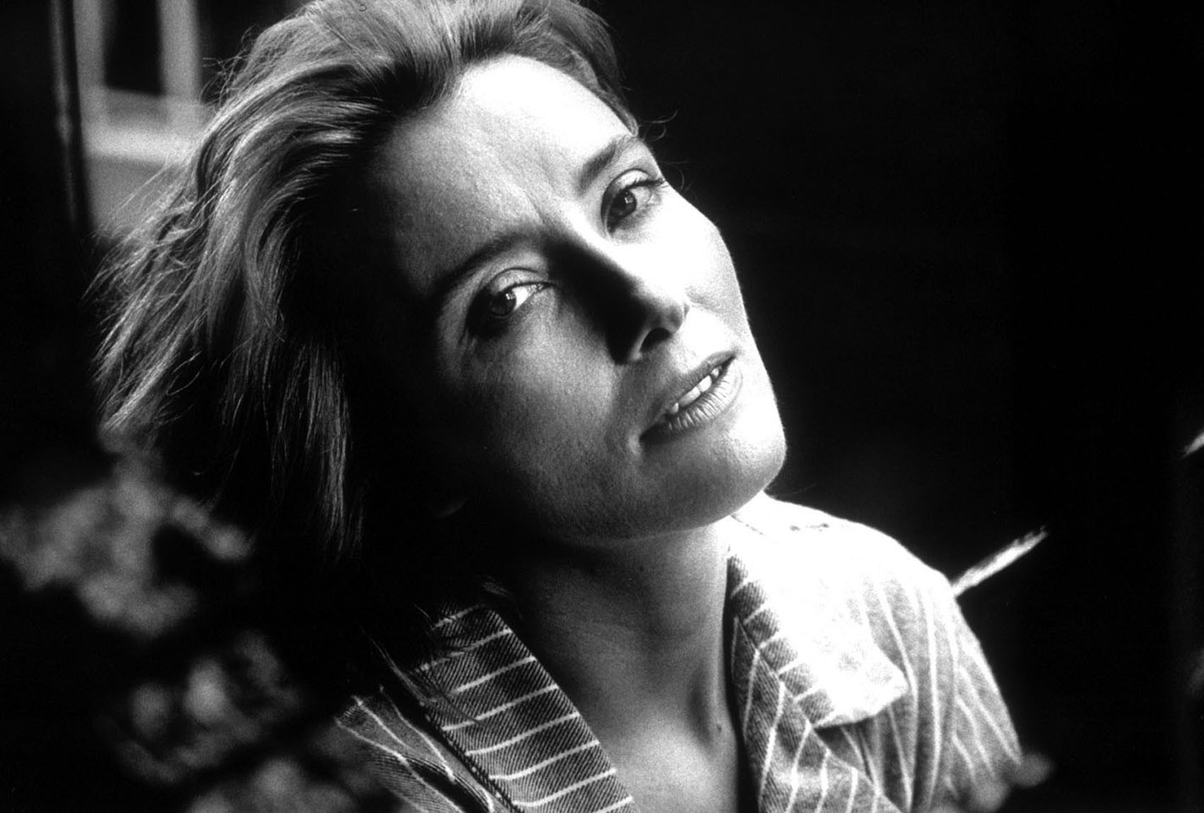 Emma Thompson Widescreen
