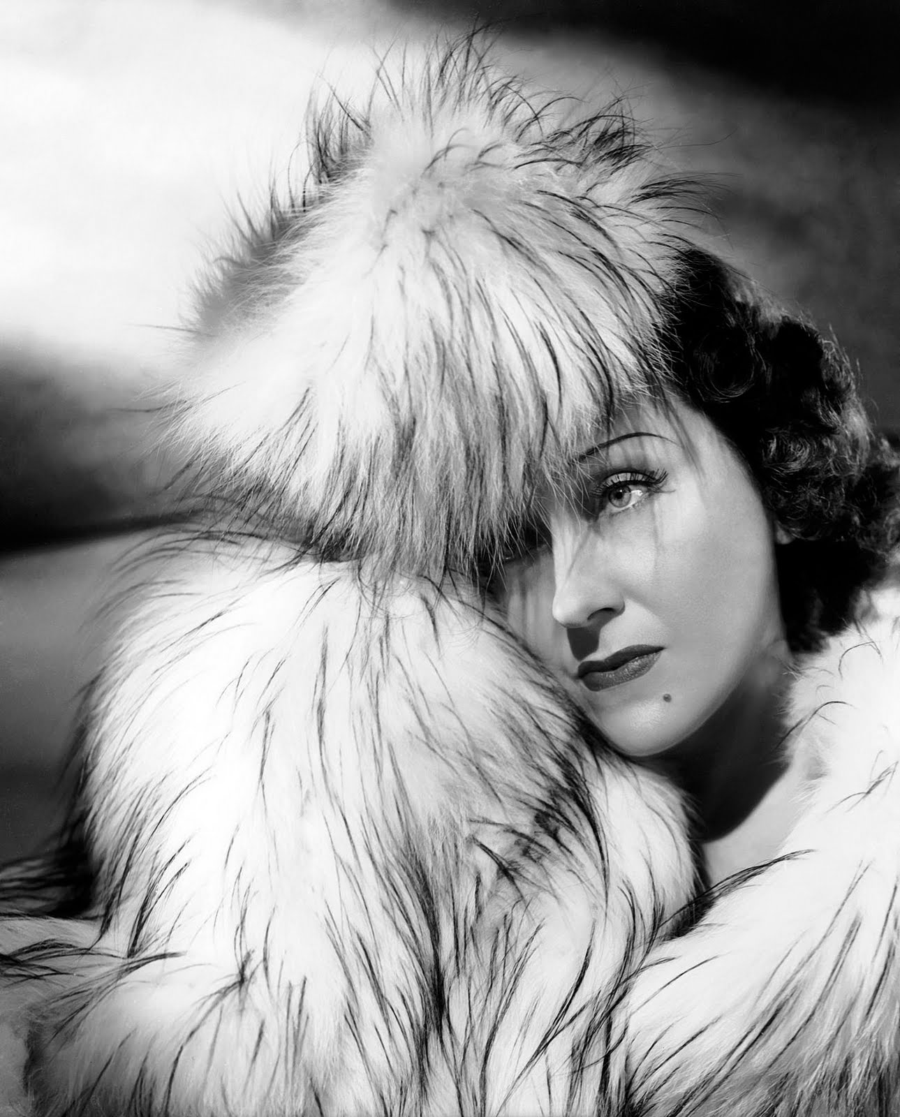 Gloria Swanson Widescreen