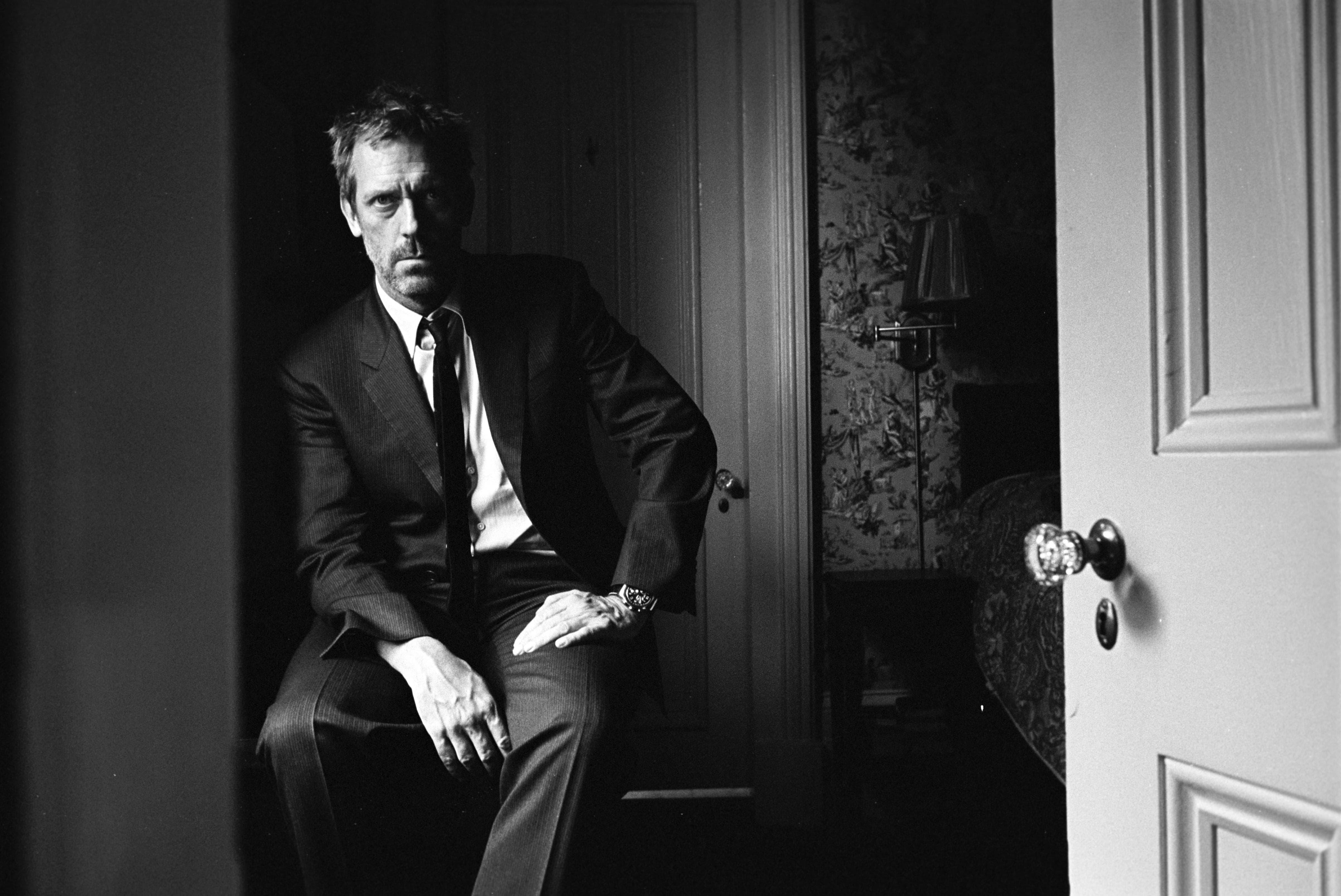 Hugh Laurie Widescreen