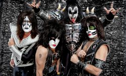 KISS Widescreen