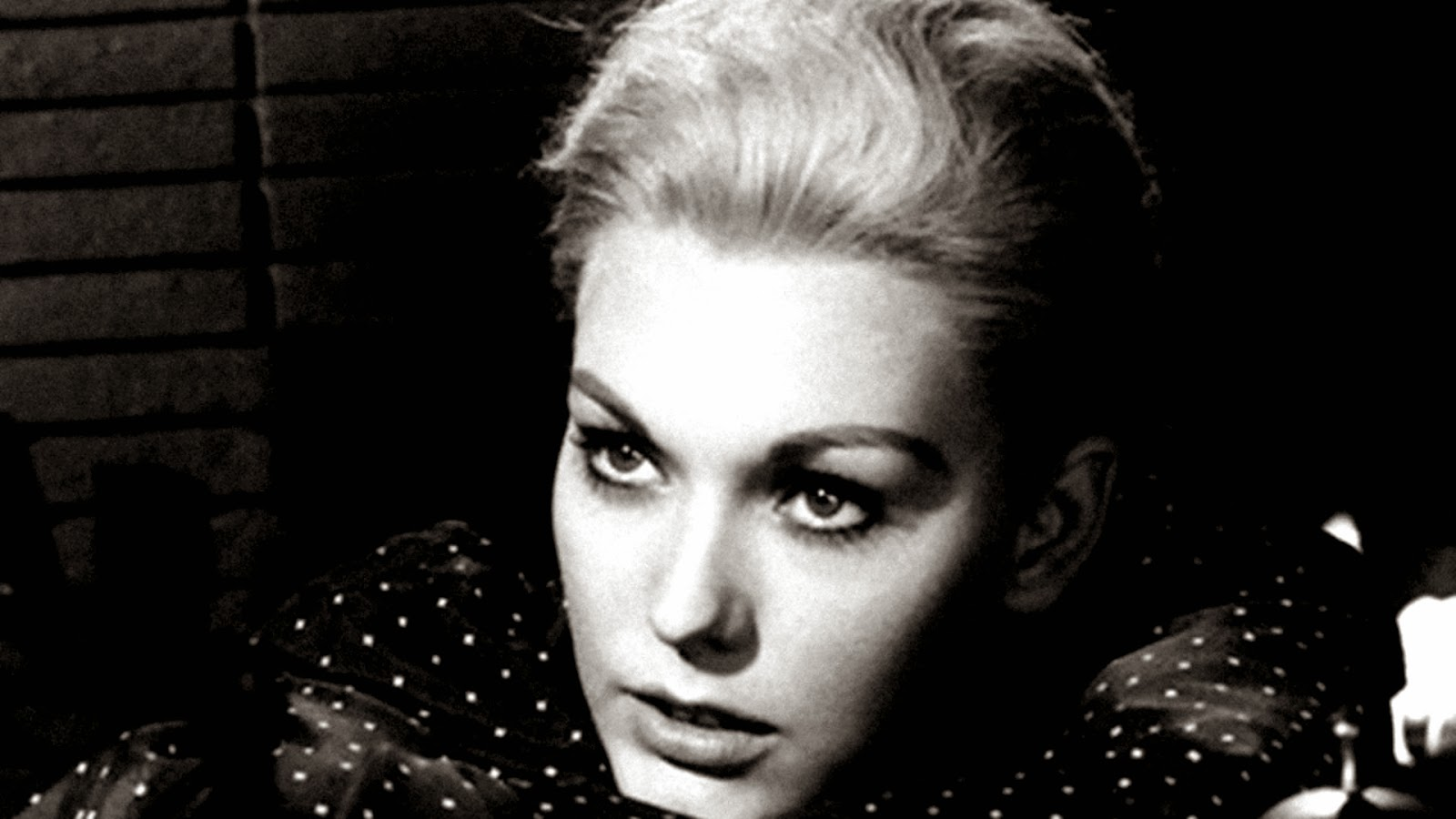 Kim Novak Widescreen