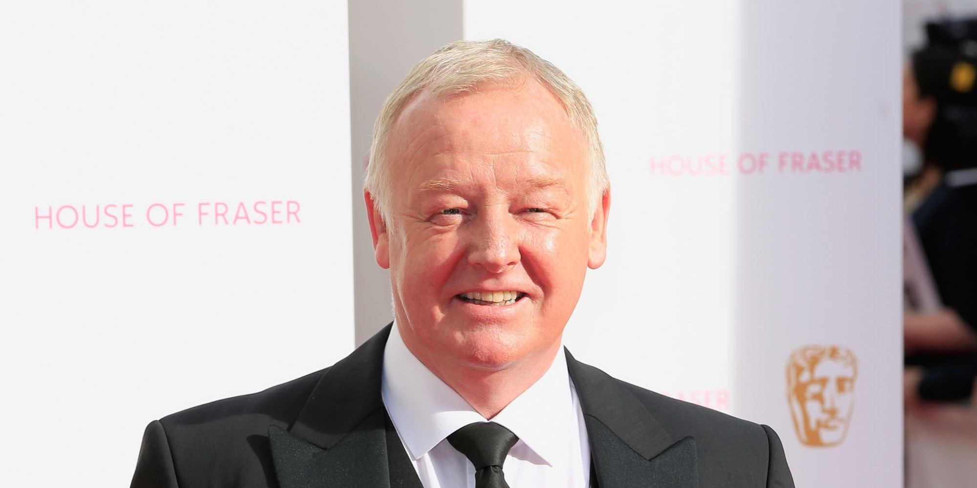 Les Dennis Widescreen