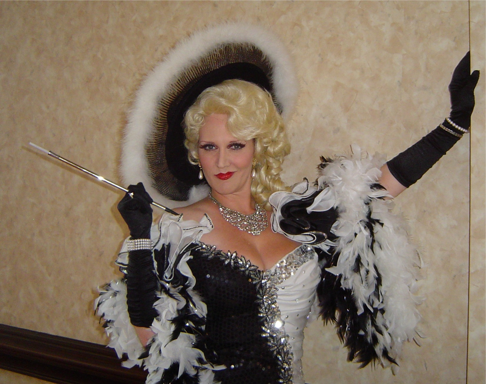 Mae West Widescreen