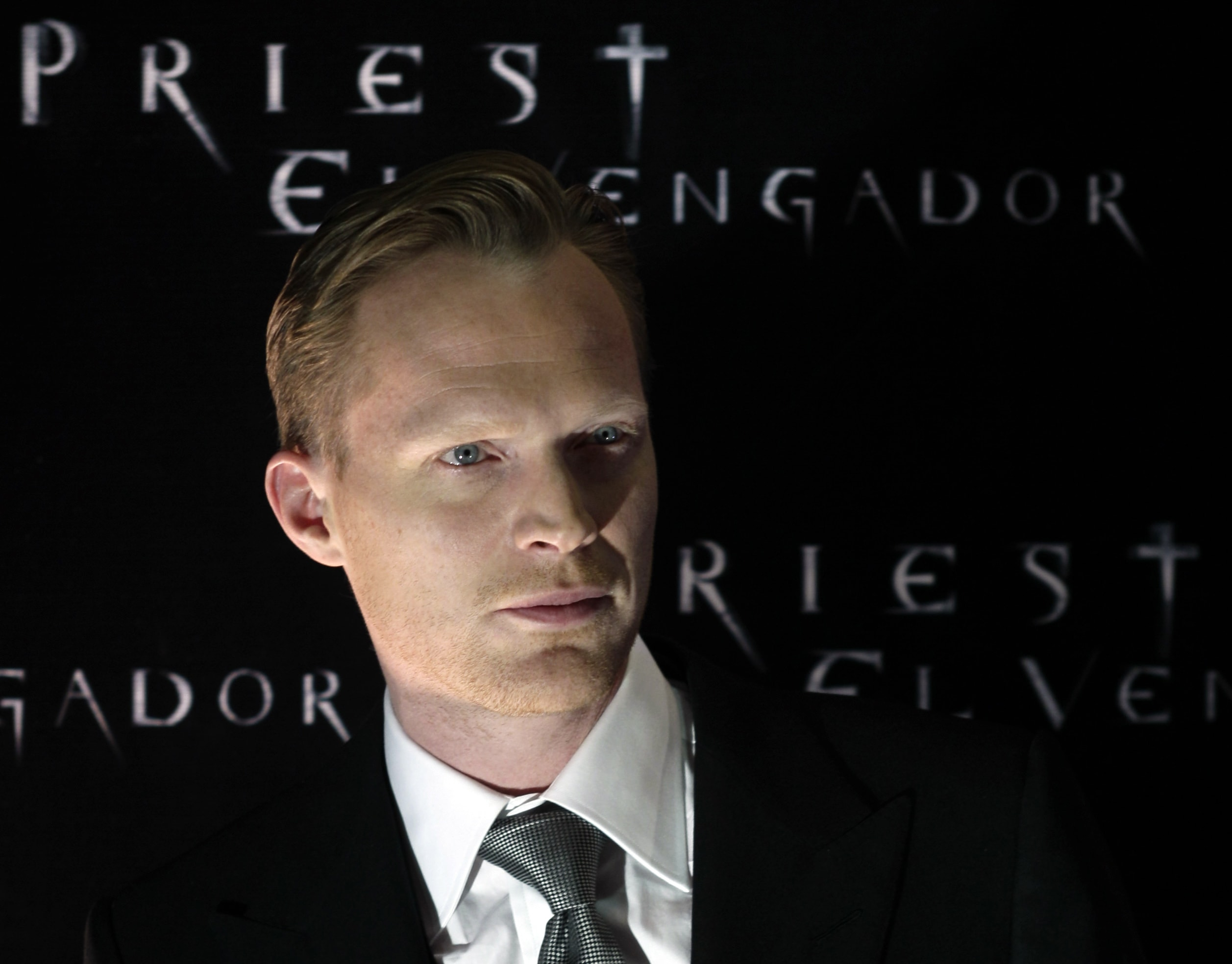 Paul Bettany Widescreen