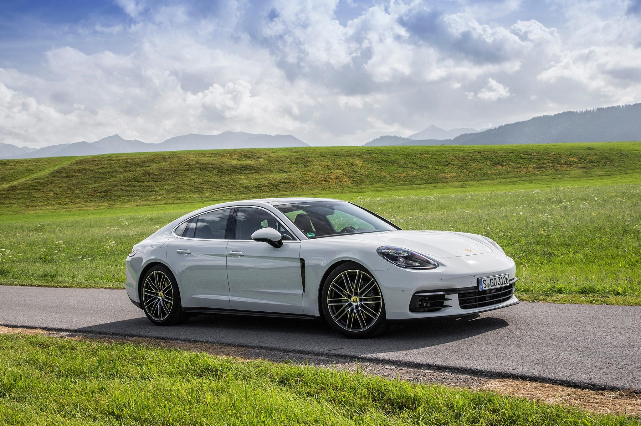 Porsche Panamera 2 Widescreen