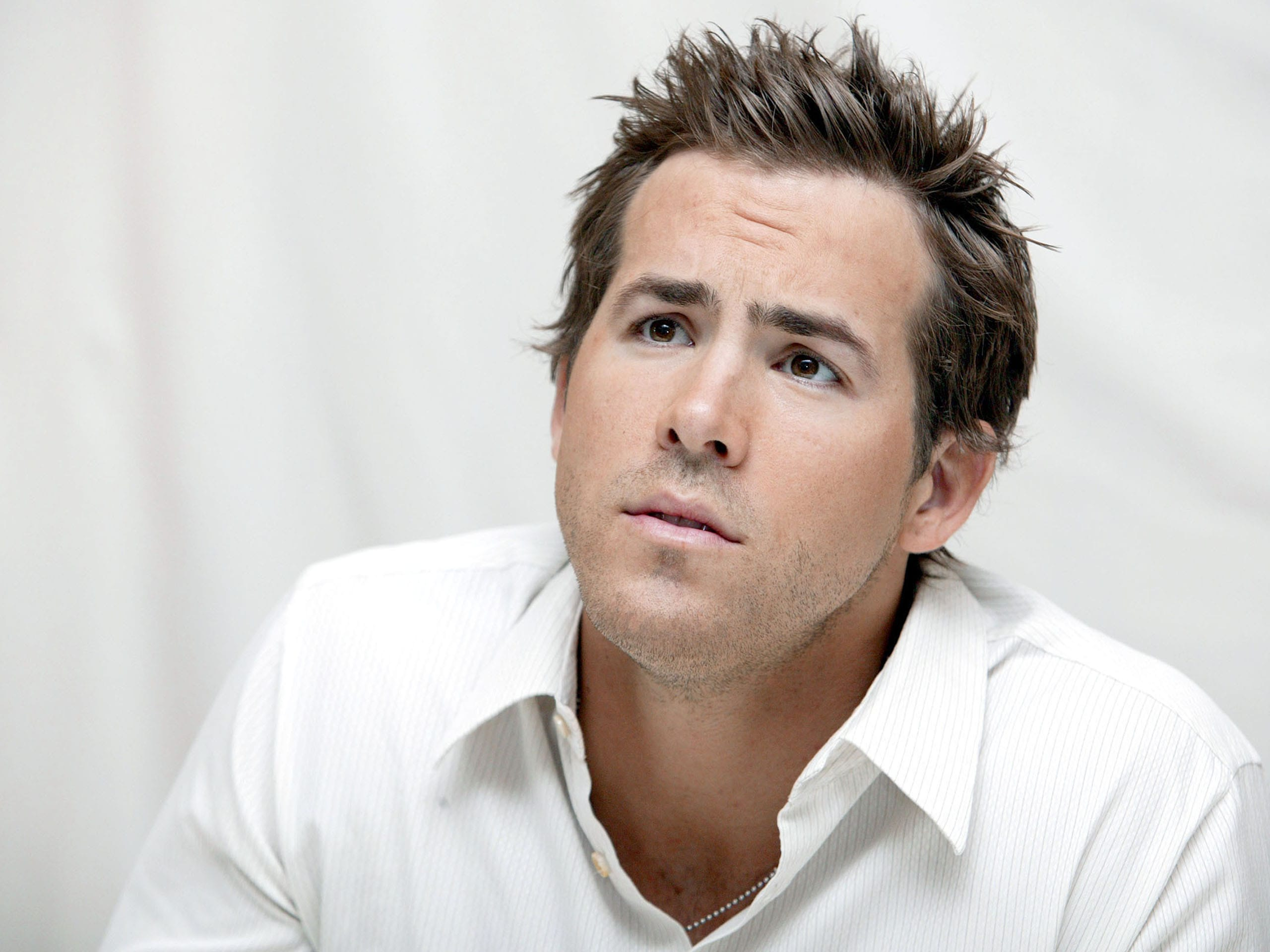Ryan Reynolds Widescreen