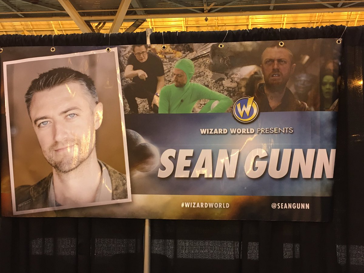 Sean Gunn Widescreen