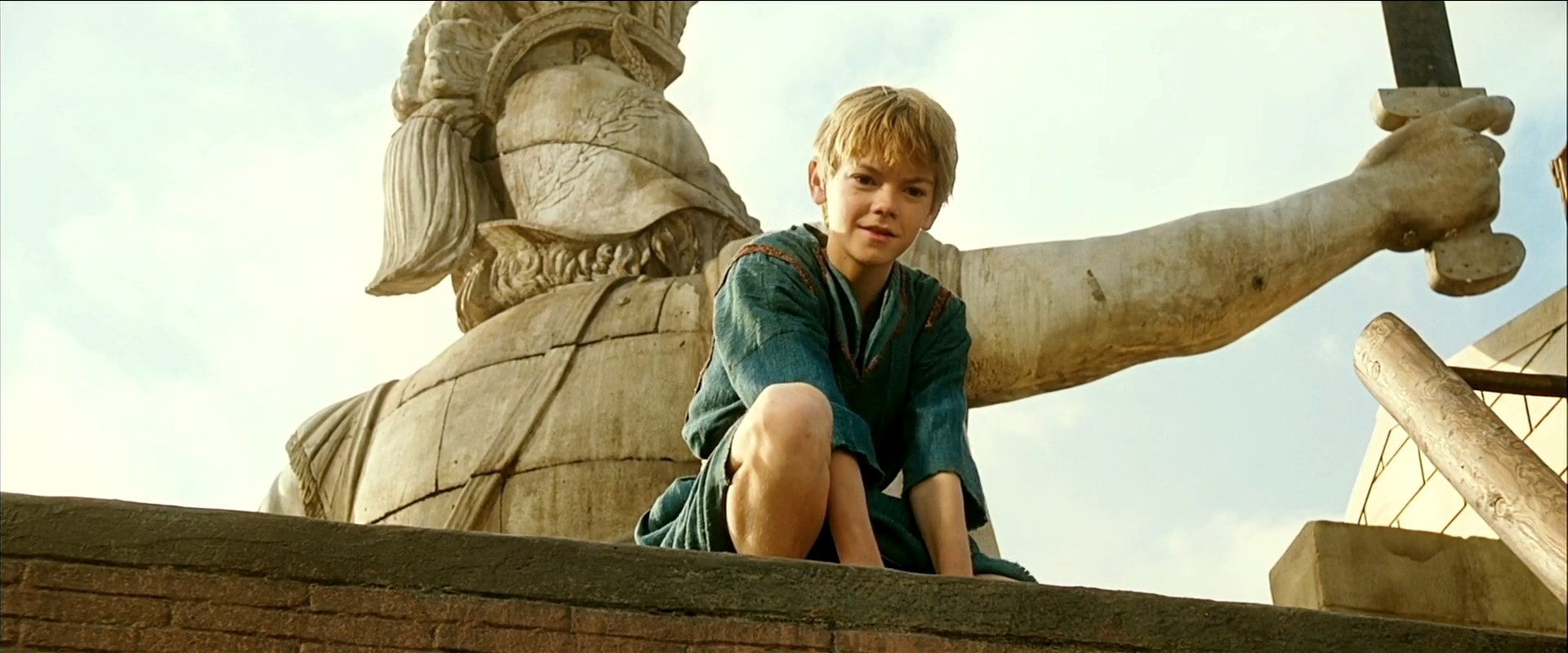 Thomas Brodie-Sangster Widescreen