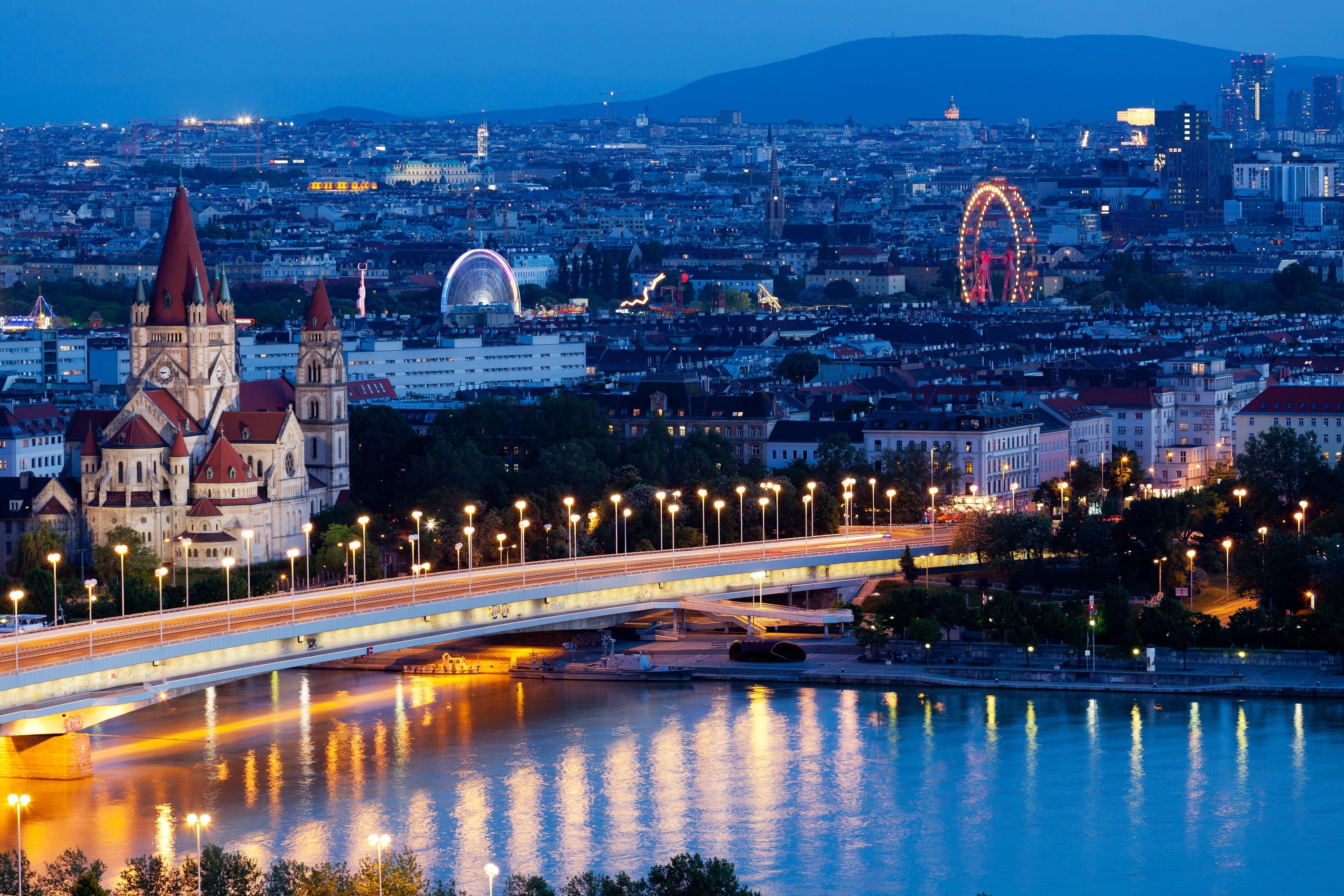 Vienna widescreen