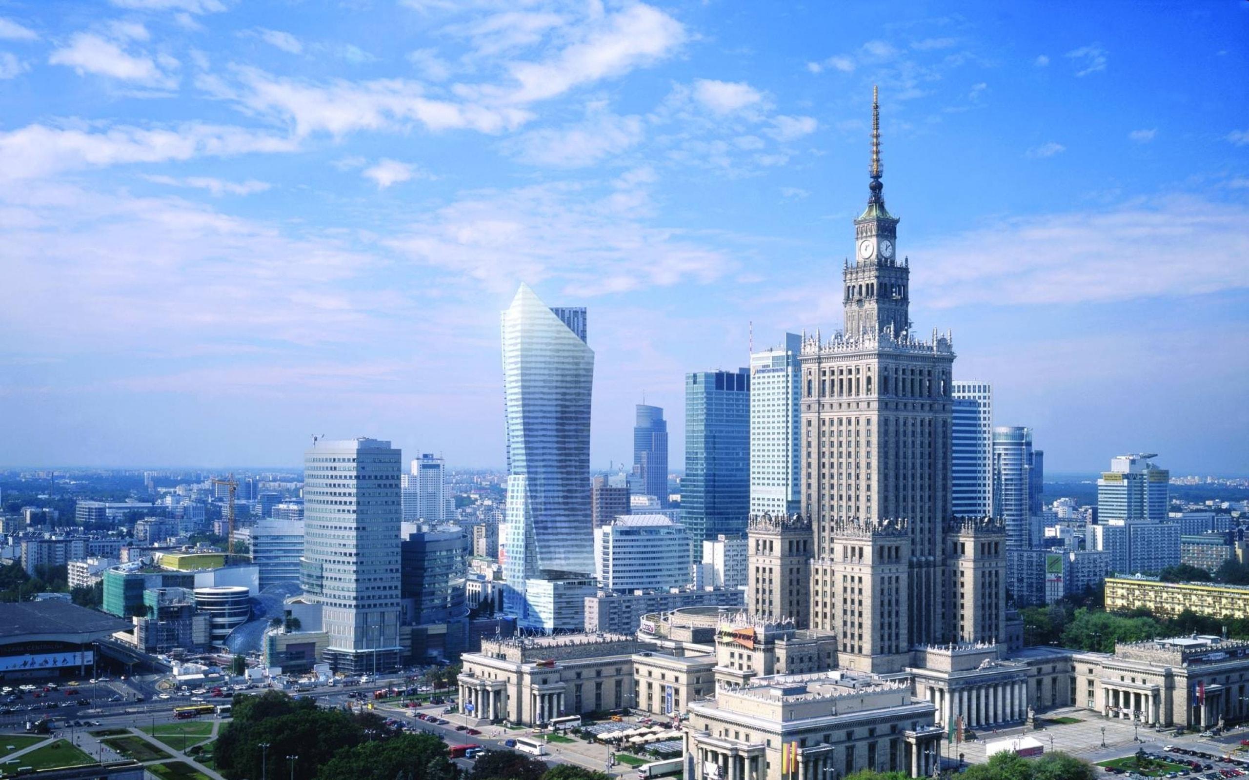 Warsaw widescreen